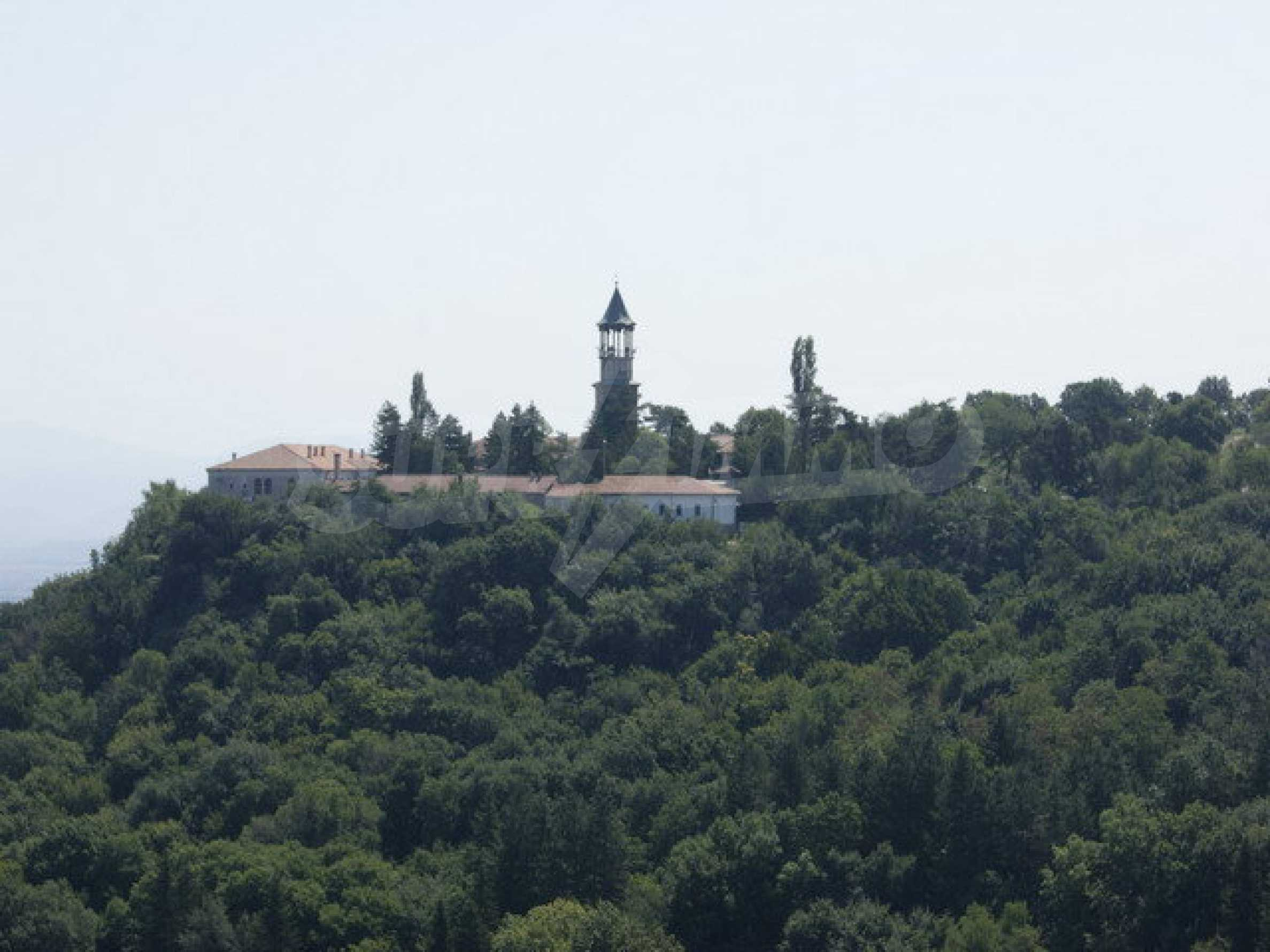 Hotel at shell stage with beautiful views near Veliko Tarnovo 39