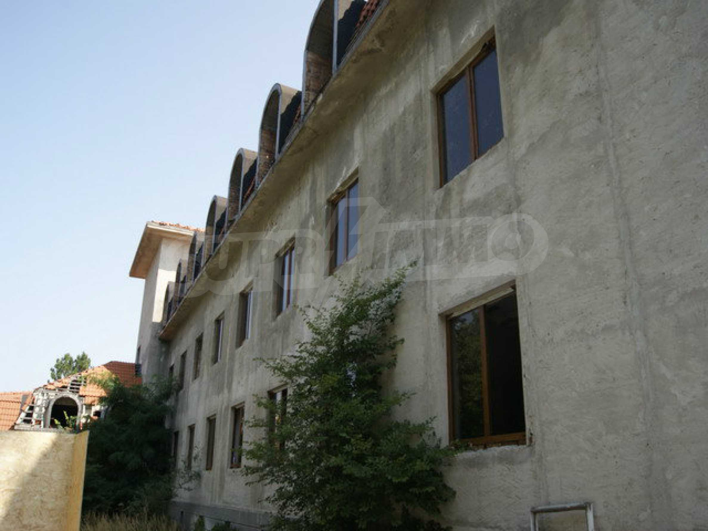 Hotel at shell stage with beautiful views near Veliko Tarnovo 4