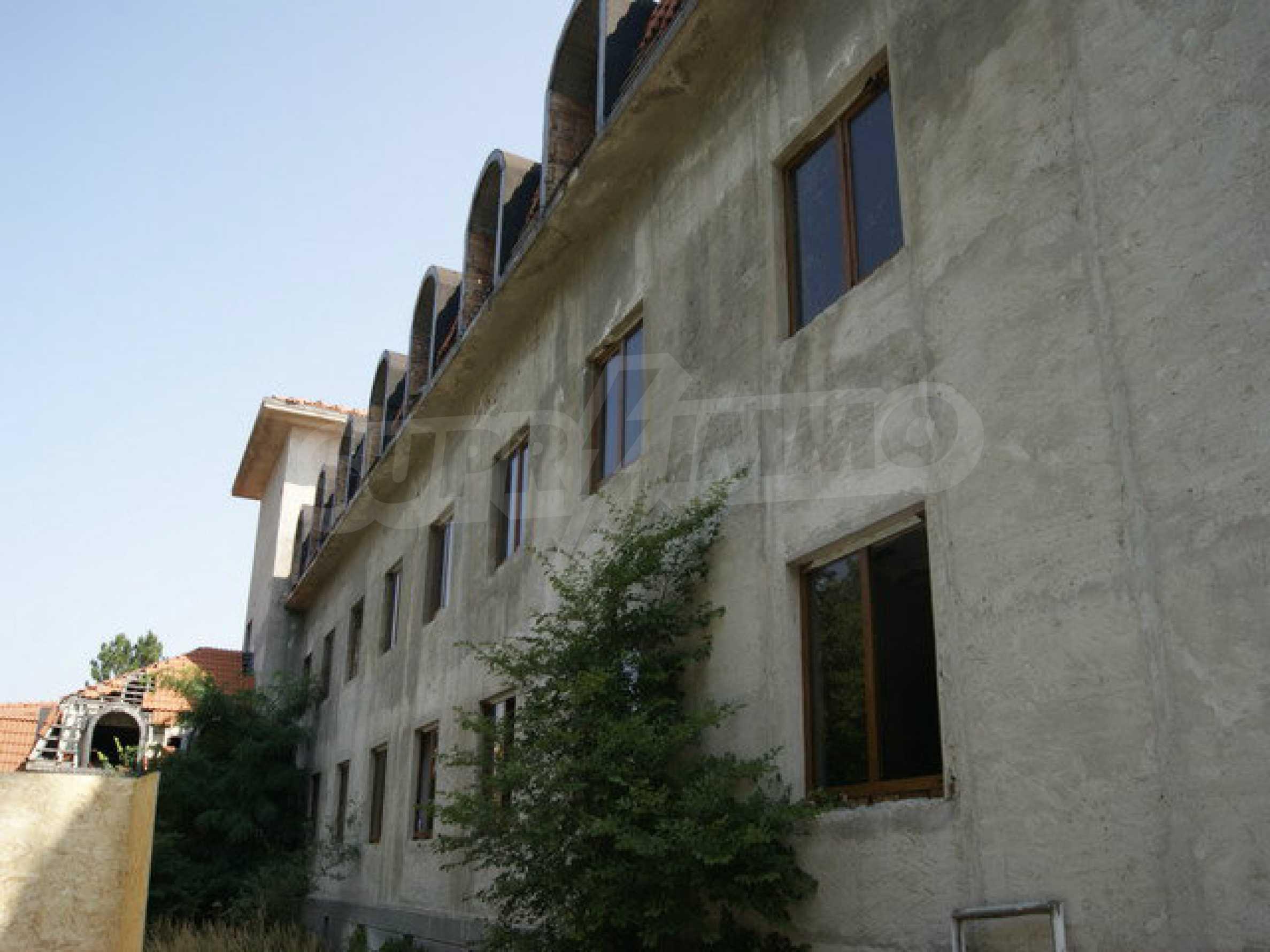 Raues Bauhotel mit herrlicher Aussicht in der Nähe von Veliko Tarnovo 4