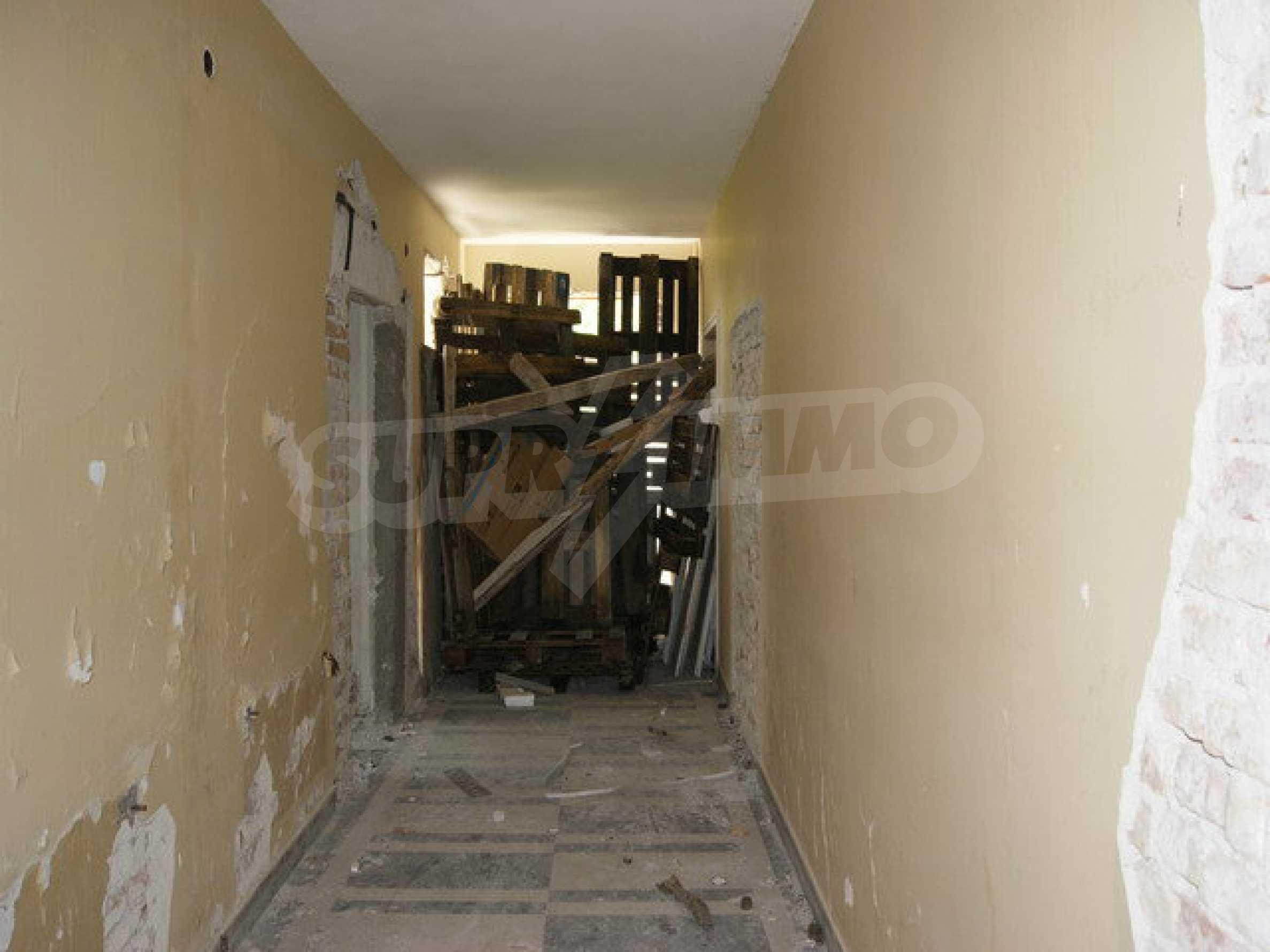 Raues Bauhotel mit herrlicher Aussicht in der Nähe von Veliko Tarnovo 8