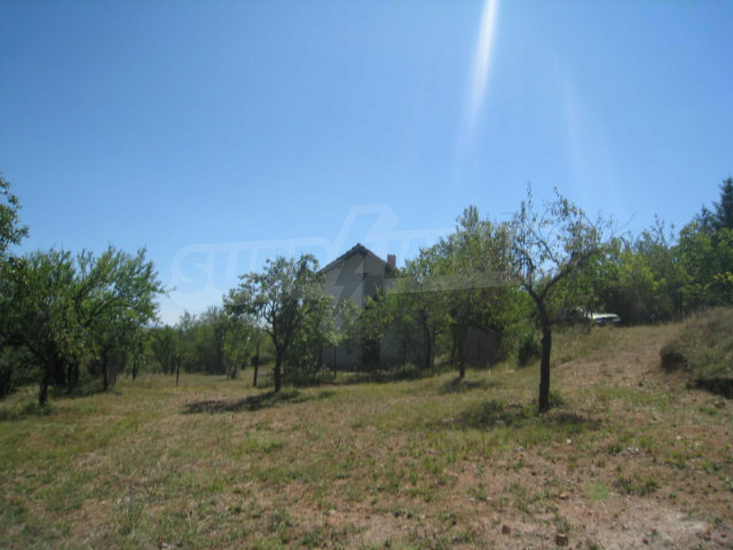 Geregeltes Grundstück in einer Villenzone in einem Dorf in der Nähe von Sofia 10