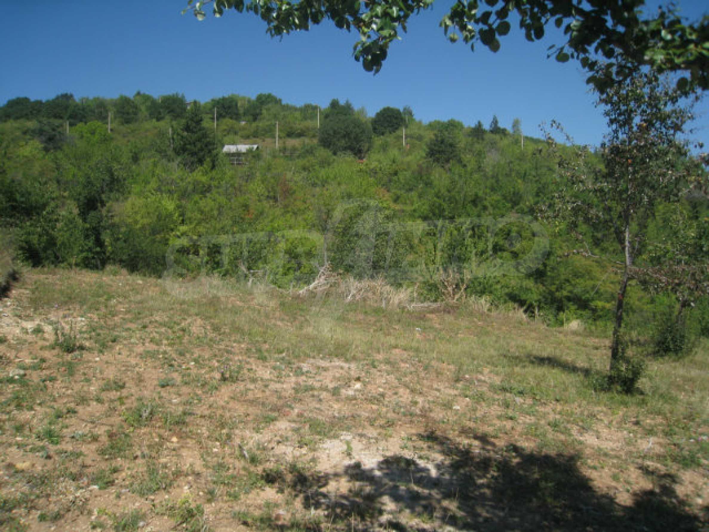 Geregeltes Grundstück in einer Villenzone in einem Dorf in der Nähe von Sofia 5