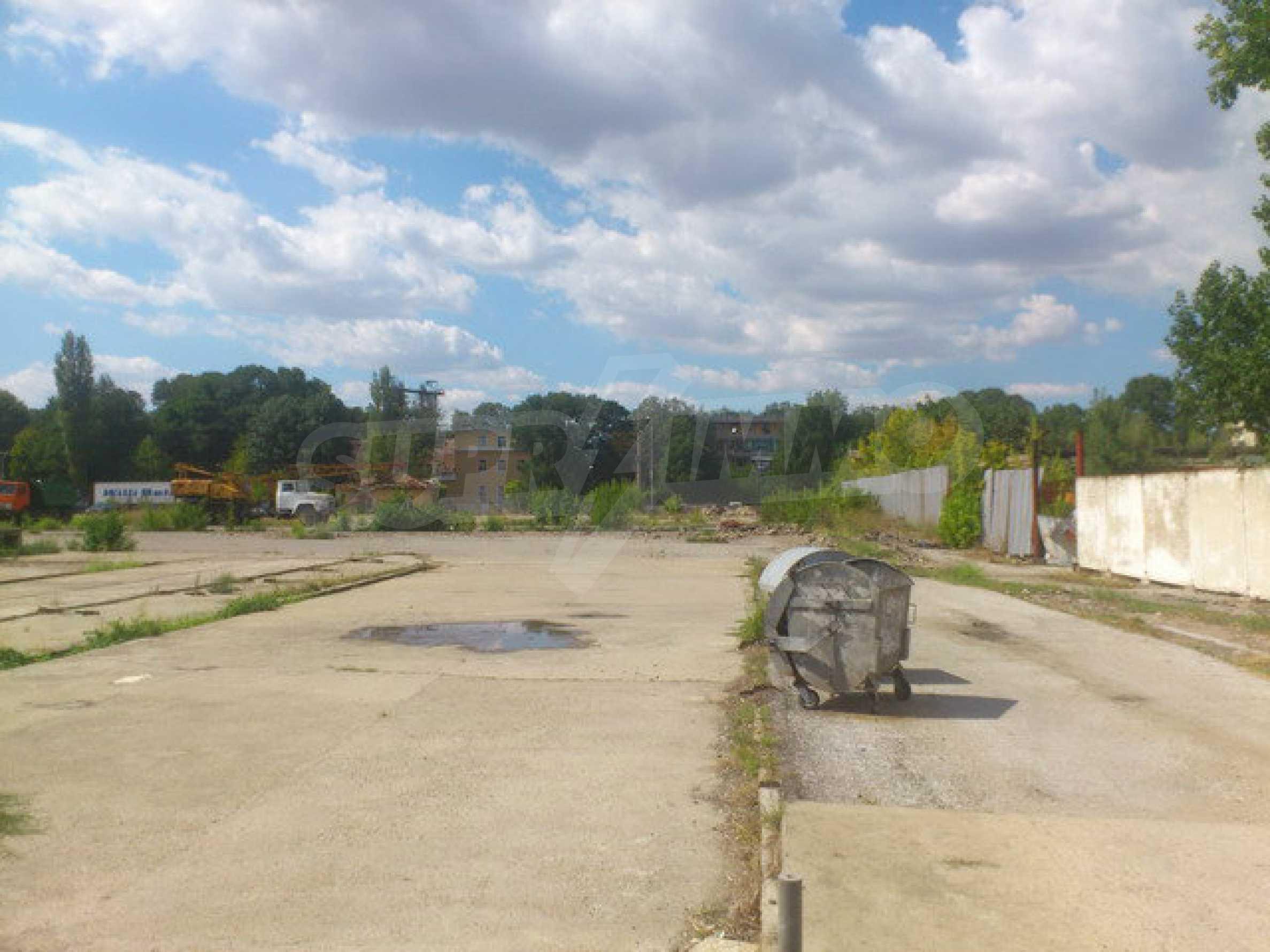 Ein Grundstück mit einer Halle in einem Industriegebiet von Gorna Oryahovitsa 14