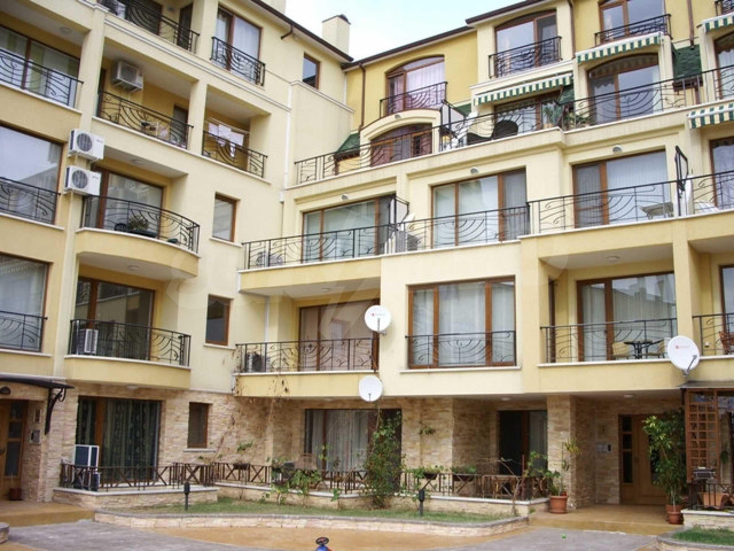 Apartment mit einem Schlafzimmer neben dem Evksinovgrad-Palast 9
