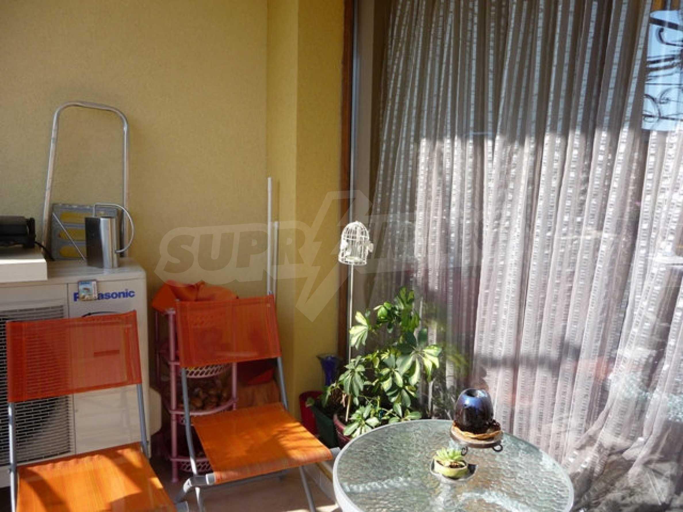 Apartment mit einem Schlafzimmer neben dem Evksinovgrad-Palast 15