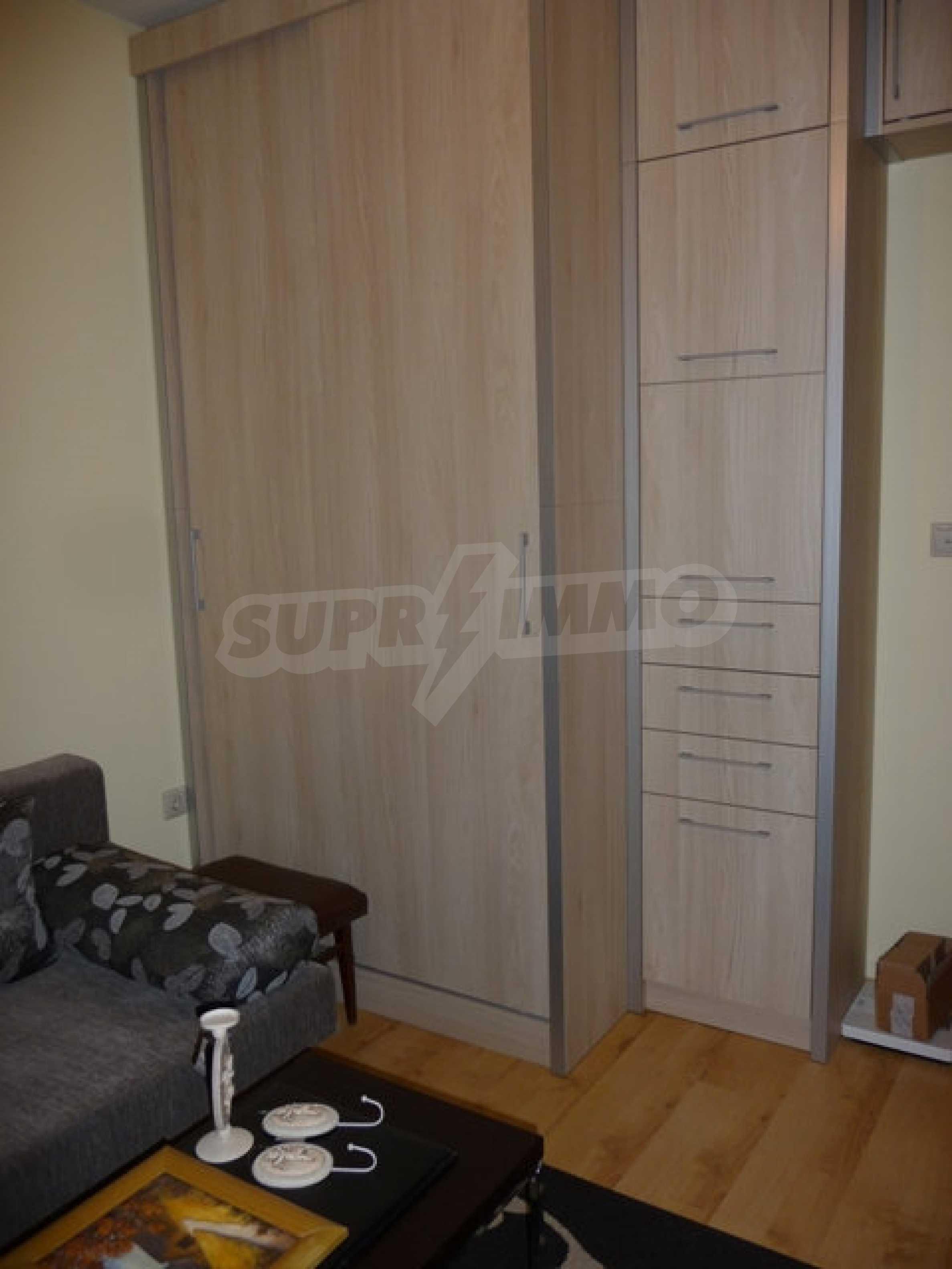 Apartment mit einem Schlafzimmer neben dem Evksinovgrad-Palast 18
