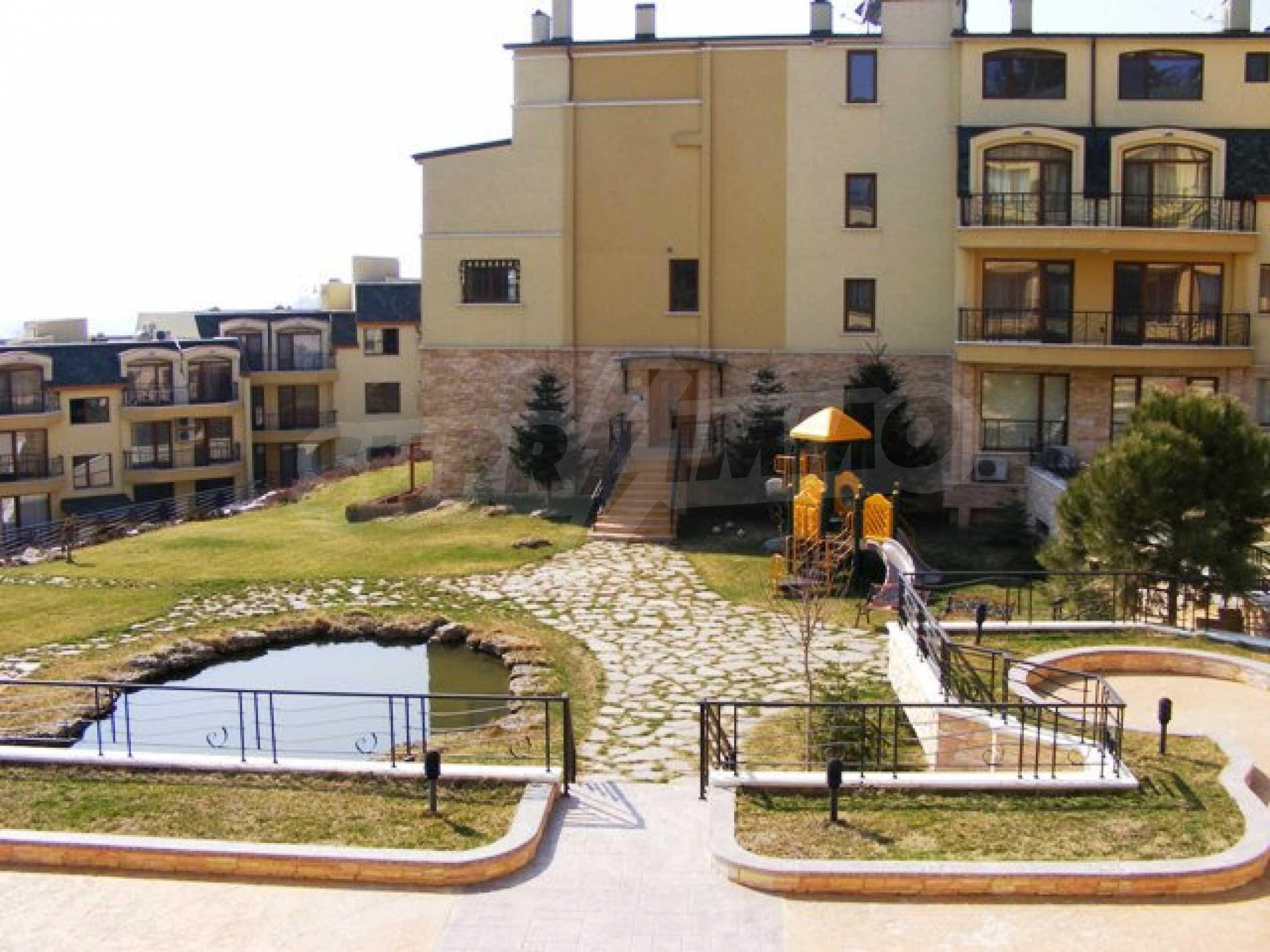 Apartment mit einem Schlafzimmer neben dem Evksinovgrad-Palast 1