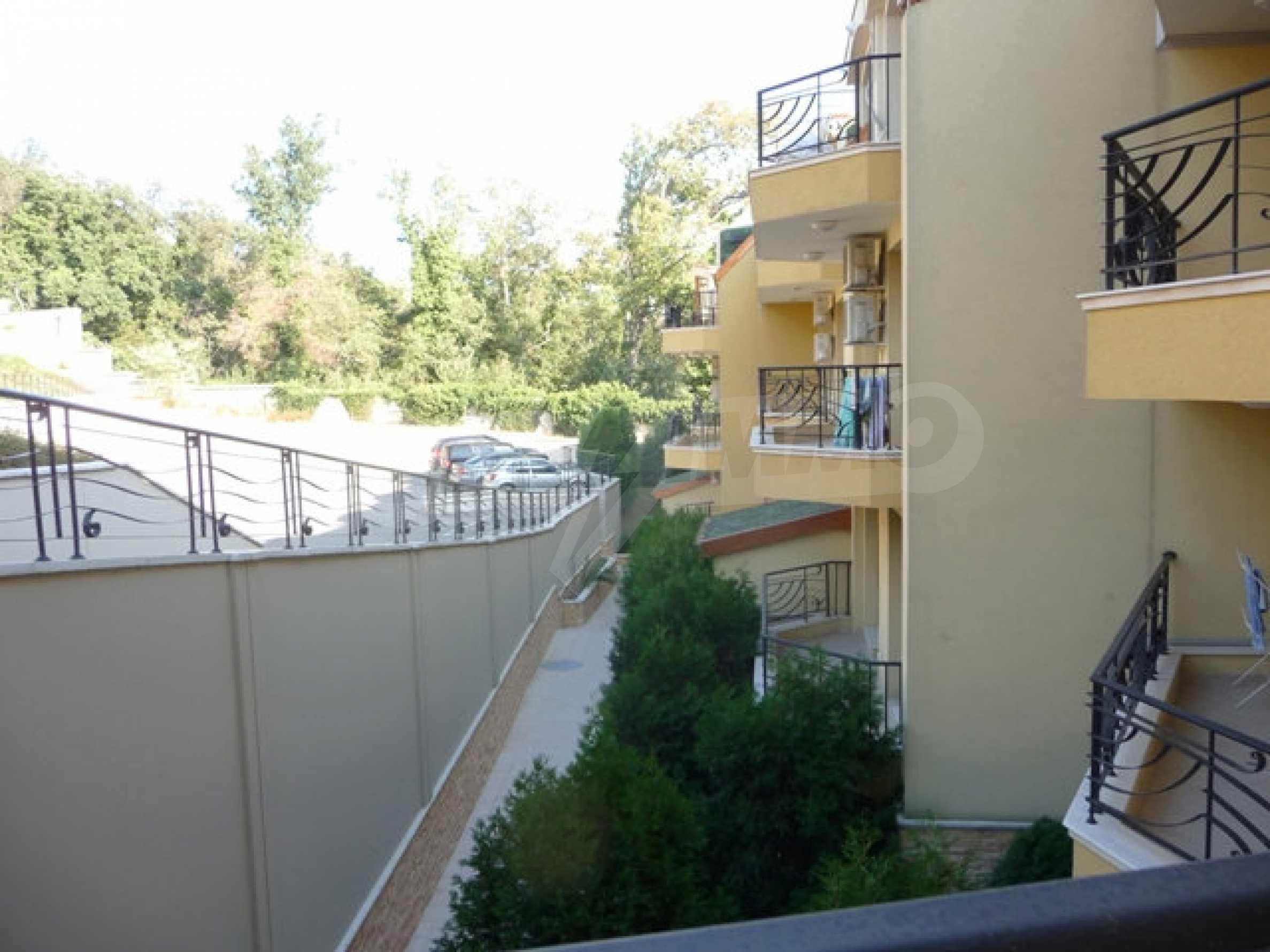 Apartment mit einem Schlafzimmer neben dem Evksinovgrad-Palast 23