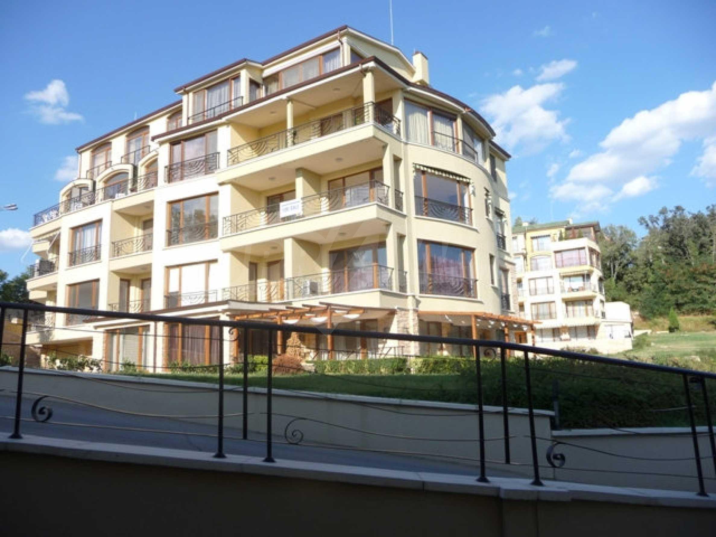 Apartment mit einem Schlafzimmer neben dem Evksinovgrad-Palast 24