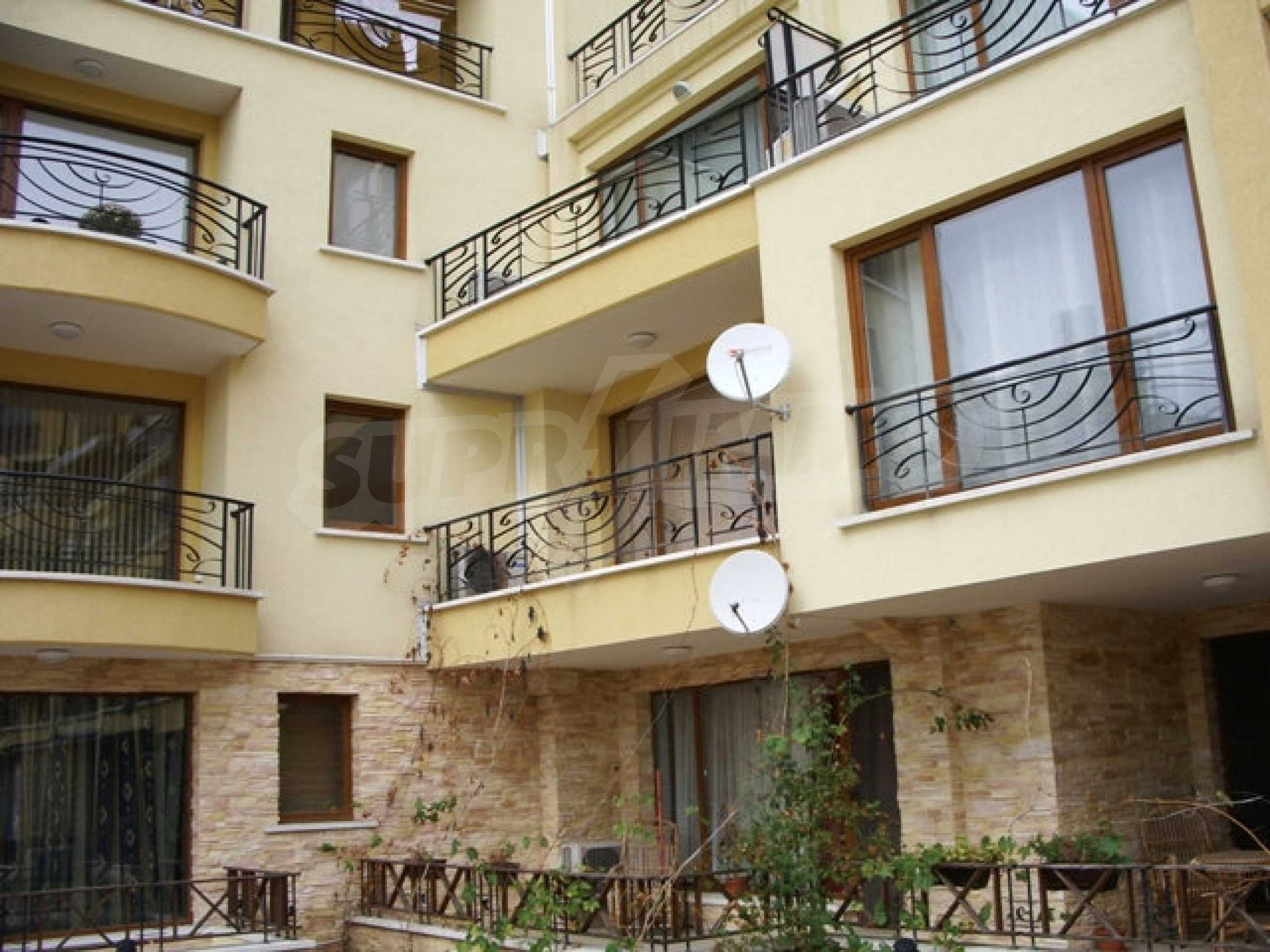 Apartment mit einem Schlafzimmer neben dem Evksinovgrad-Palast 7