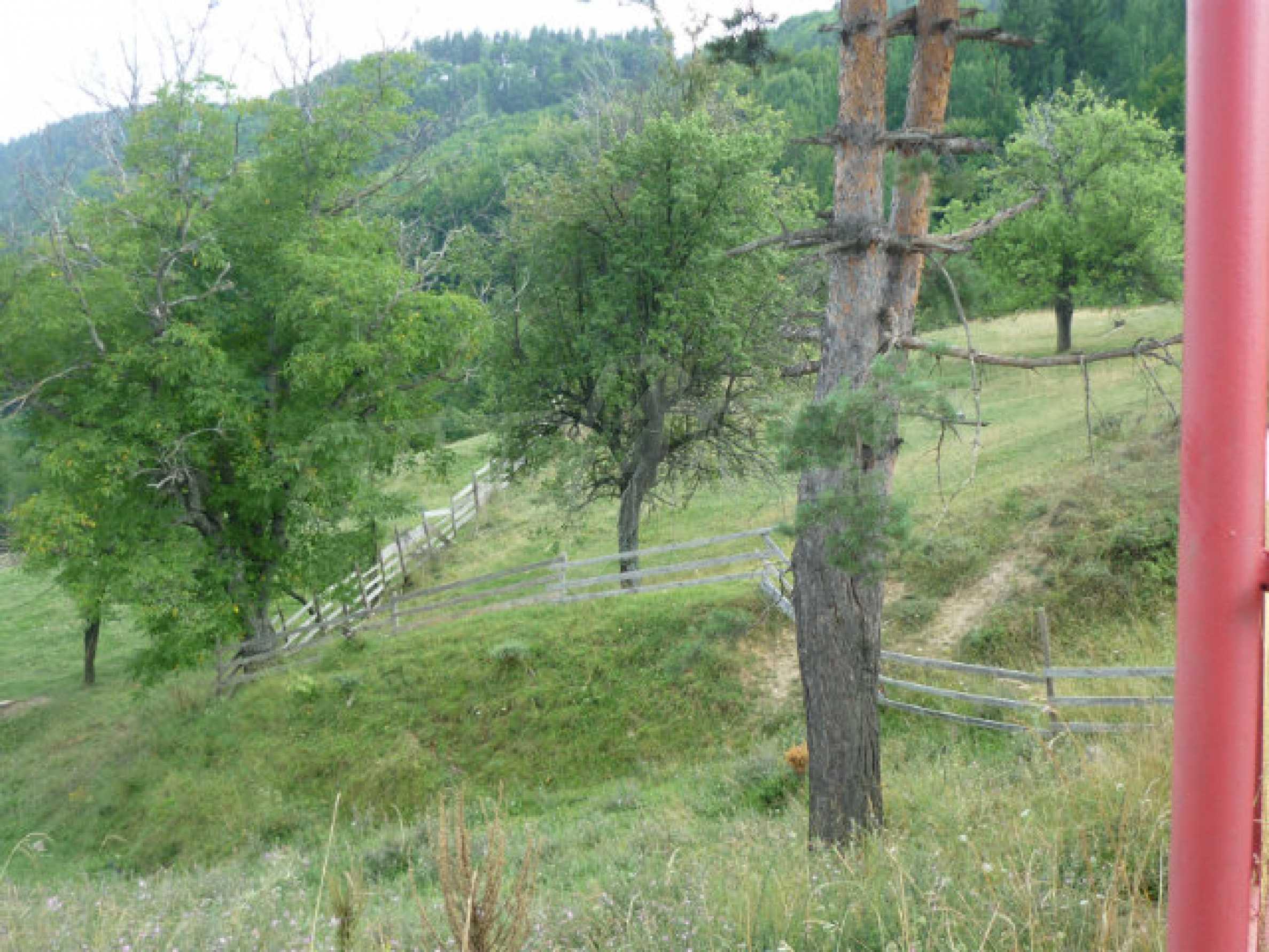 Großes reguliertes Baugrundstück 15 km vom Kurort Smolyan entfernt 3