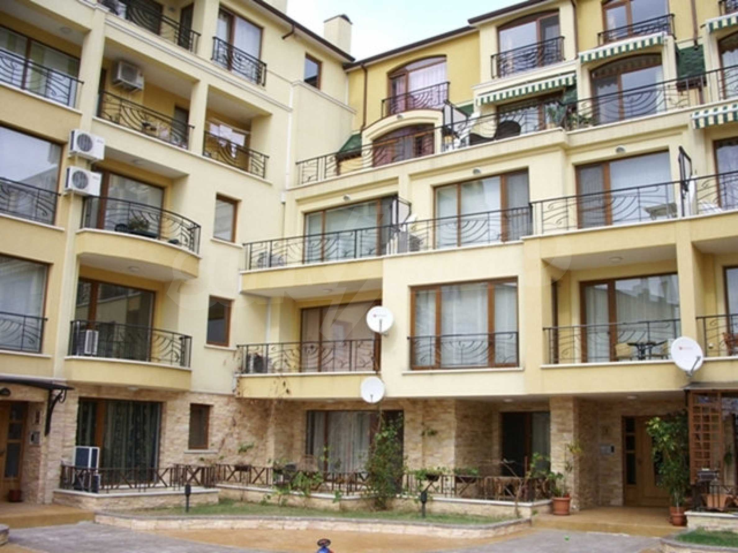2-bedroom apartment in St. Constantine and Elena 9
