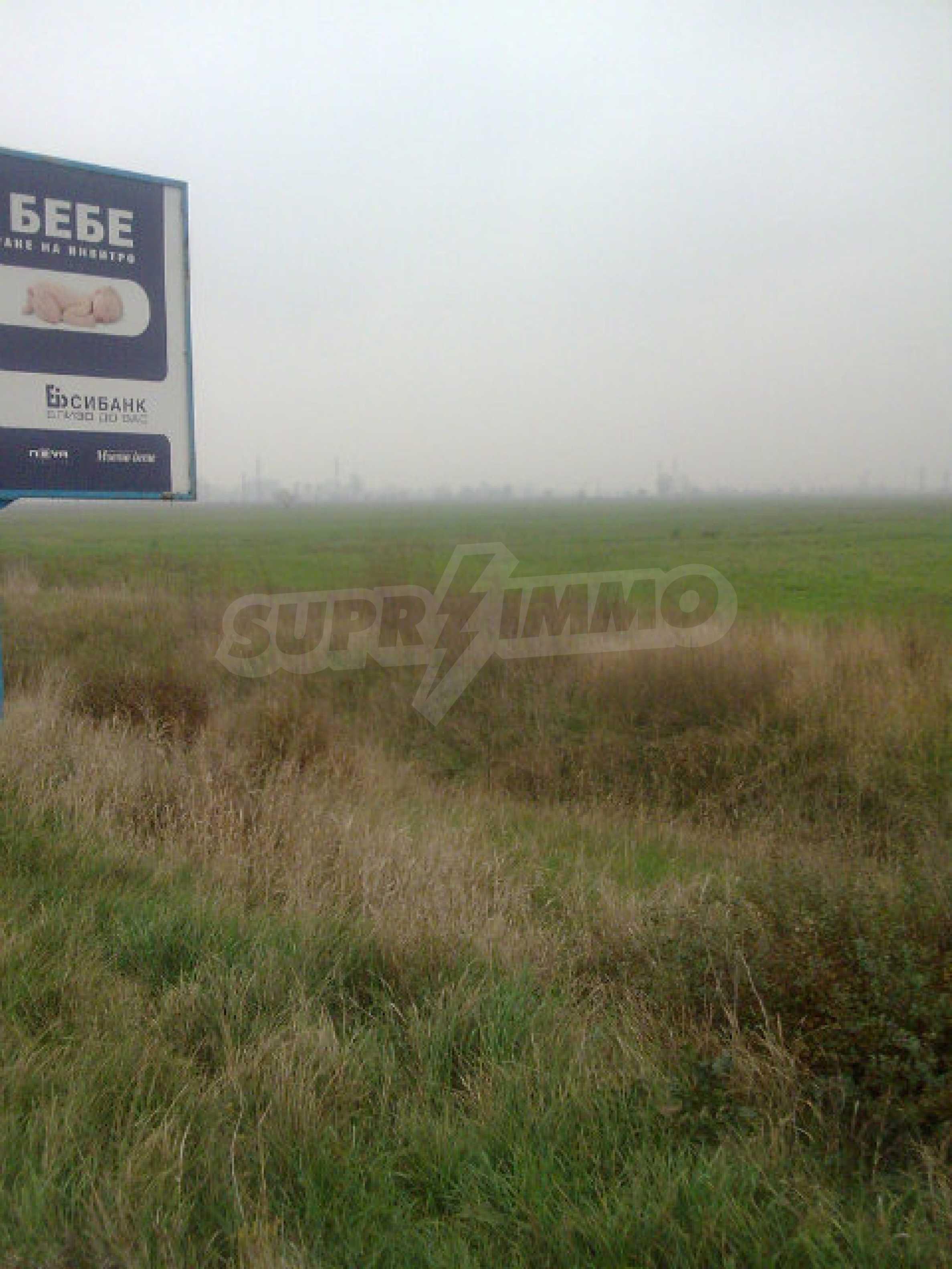 Umfangreiche landwirtschaftliche Flächen für Investitionen auf einer Asphaltstraße in der Nähe von Vidin 2