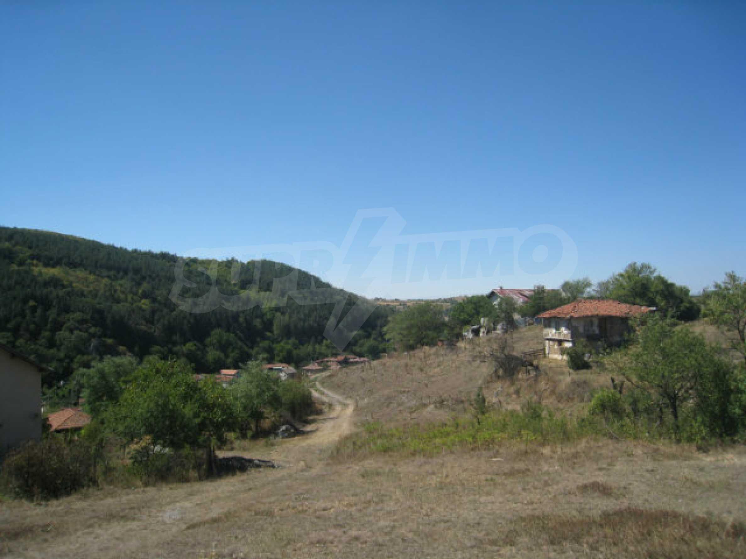 Geregeltes Baugrundstück in einem Dorf in der Nähe von Elin Pelin 10