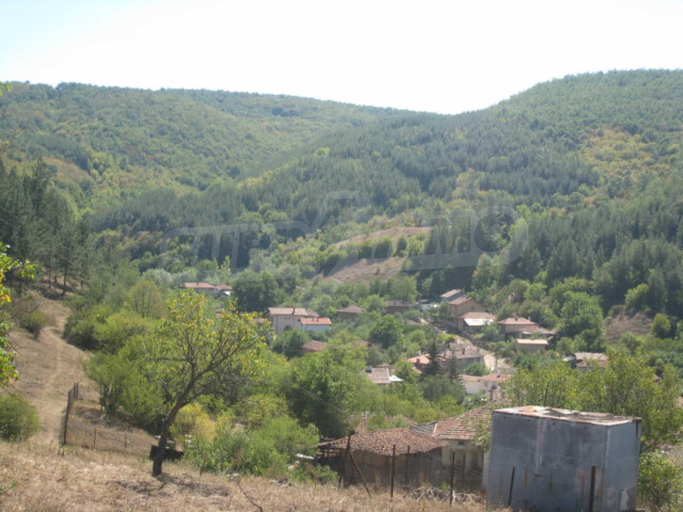 Geregeltes Baugrundstück in einem Dorf in der Nähe von Elin Pelin 11