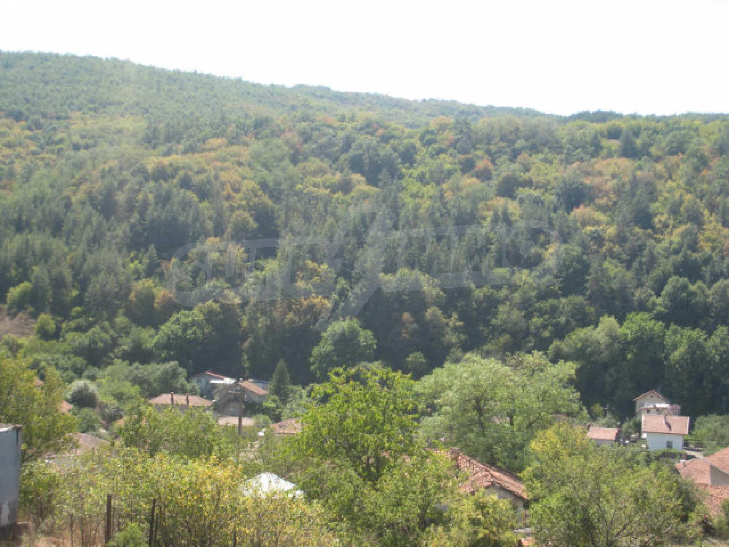 Geregeltes Baugrundstück in einem Dorf in der Nähe von Elin Pelin 12