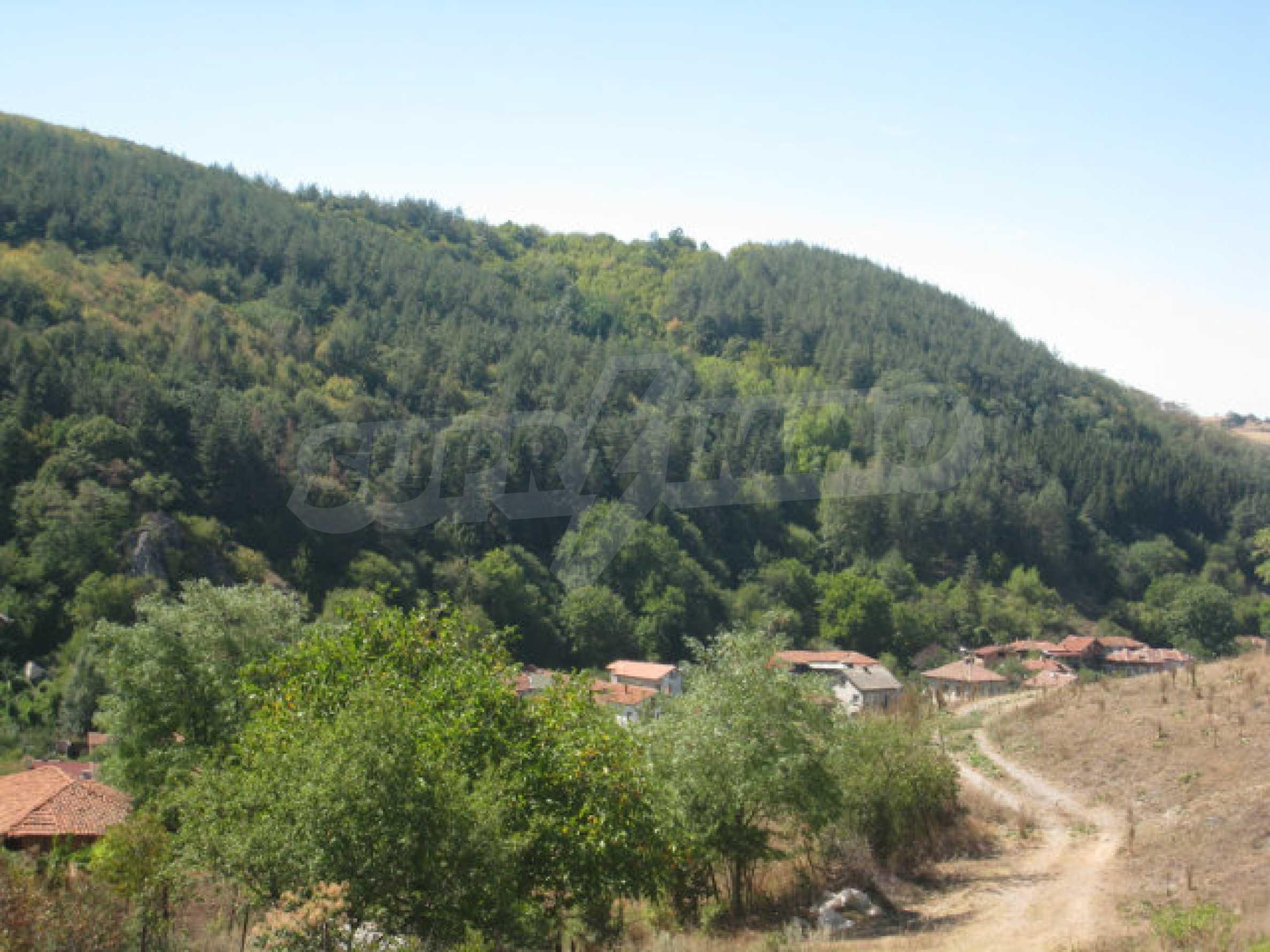 Geregeltes Baugrundstück in einem Dorf in der Nähe von Elin Pelin 14