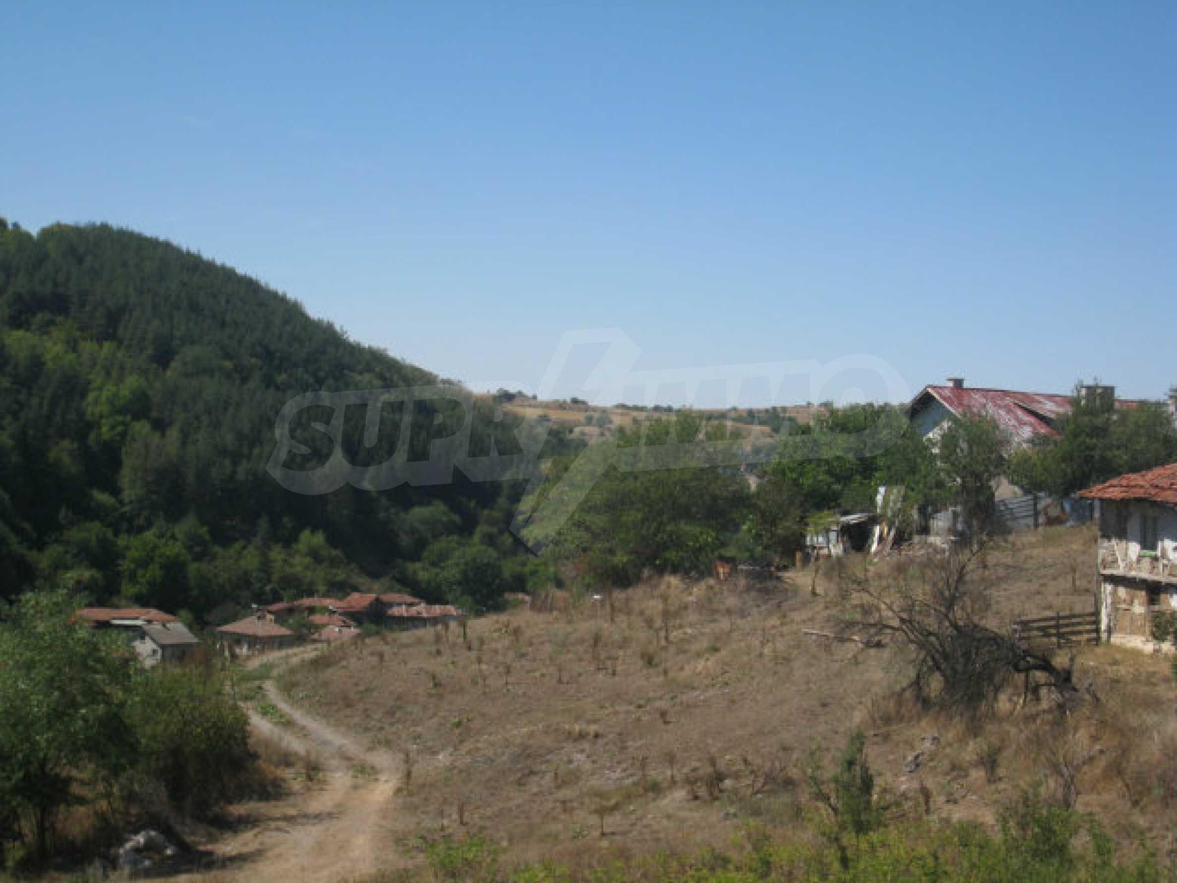 Geregeltes Baugrundstück in einem Dorf in der Nähe von Elin Pelin 15