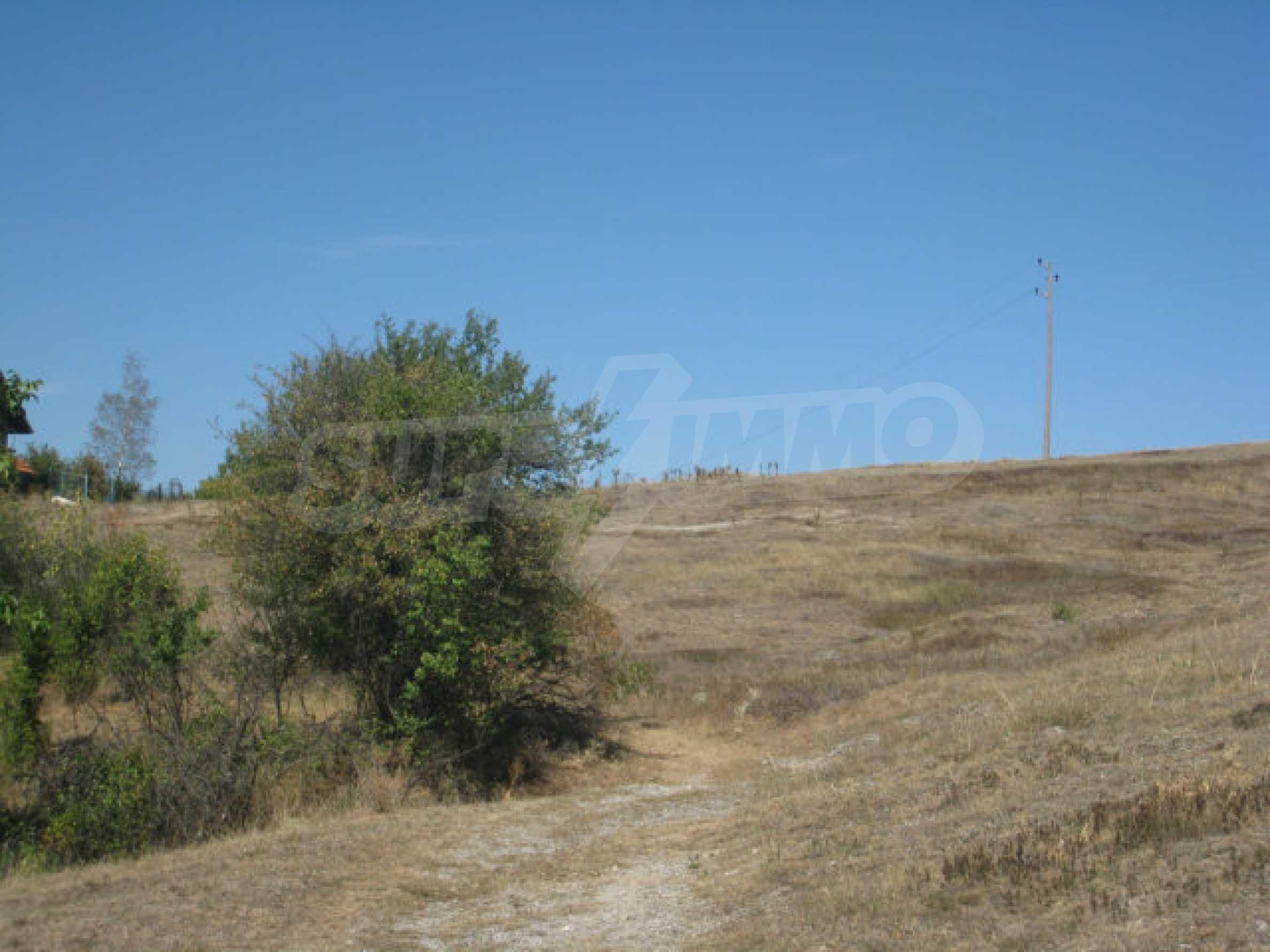 Geregeltes Baugrundstück in einem Dorf in der Nähe von Elin Pelin 17