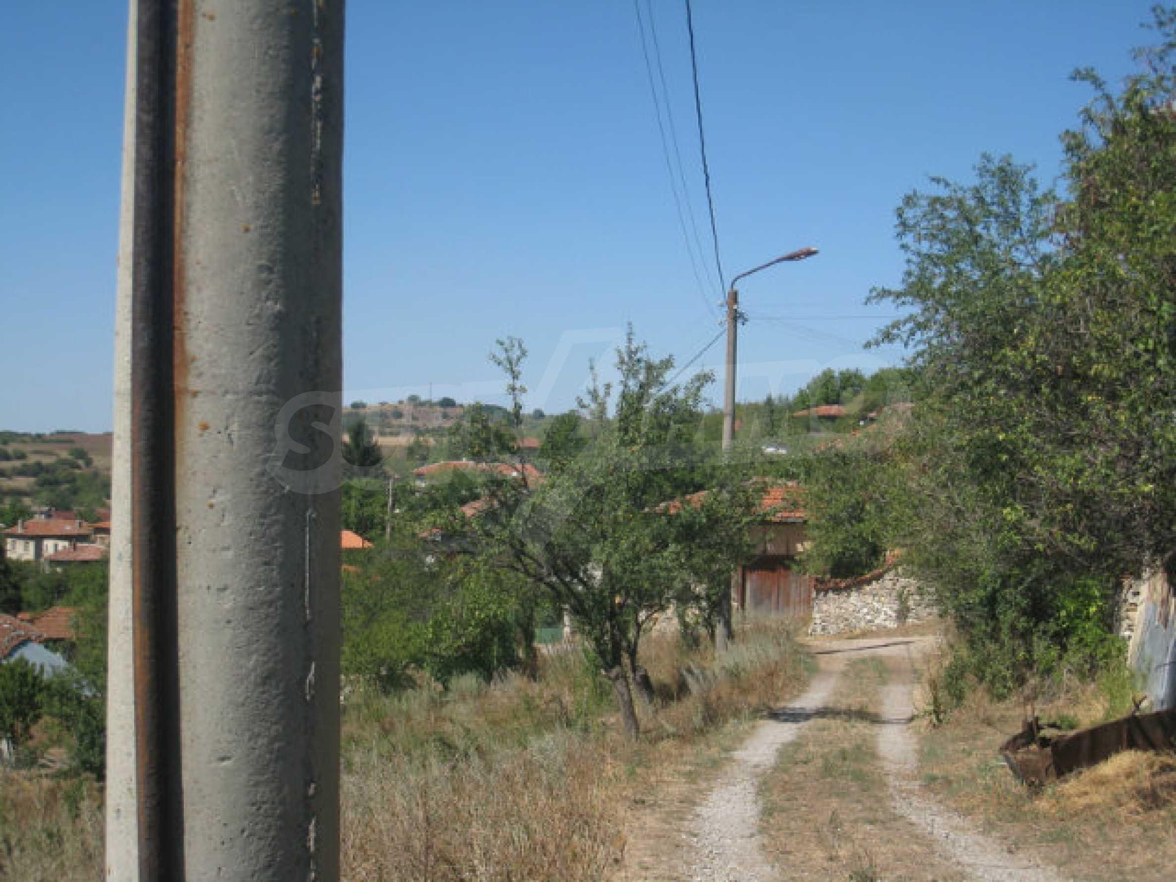 Geregeltes Baugrundstück in einem Dorf in der Nähe von Elin Pelin 21