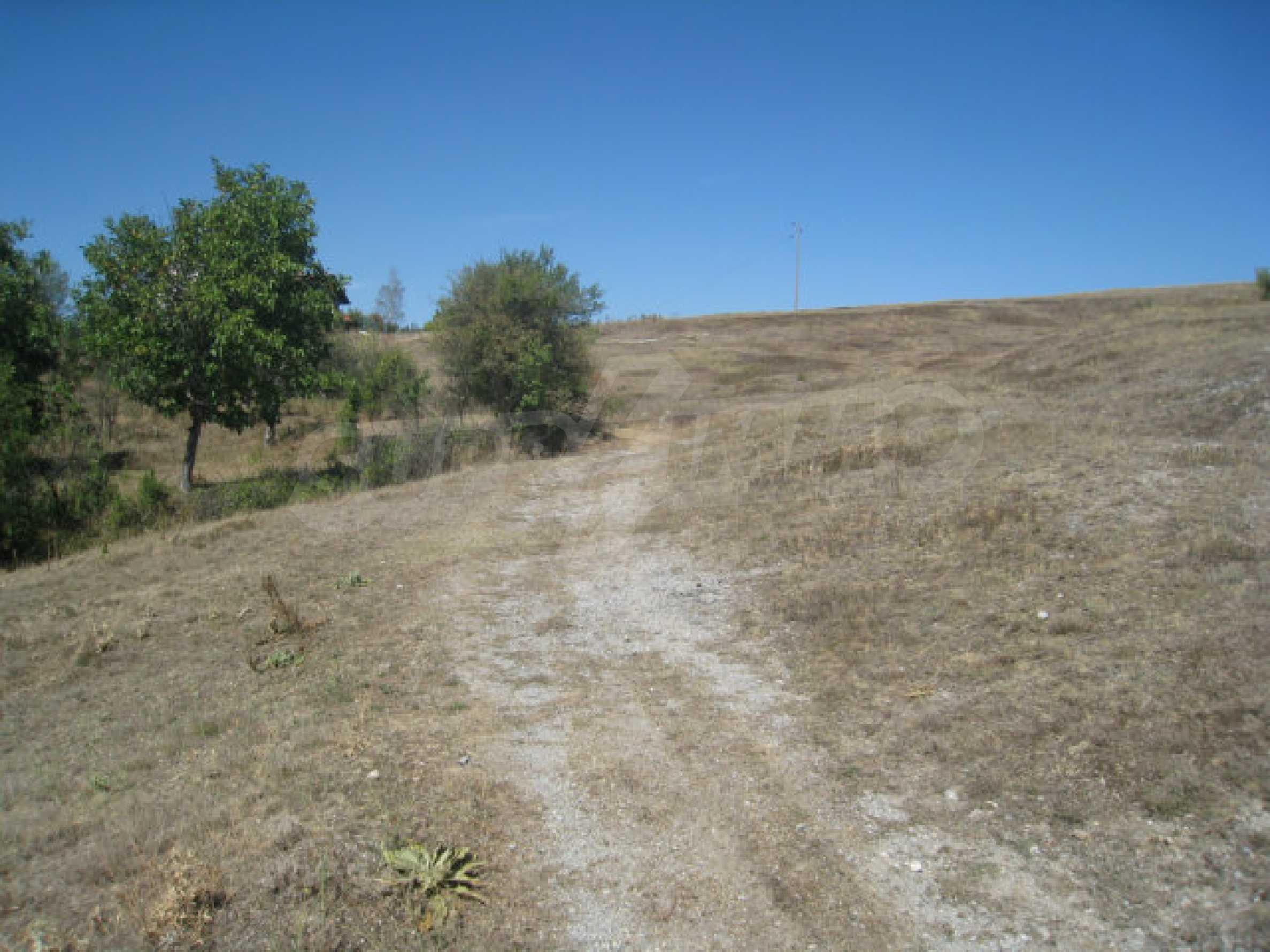 Geregeltes Baugrundstück in einem Dorf in der Nähe von Elin Pelin 23