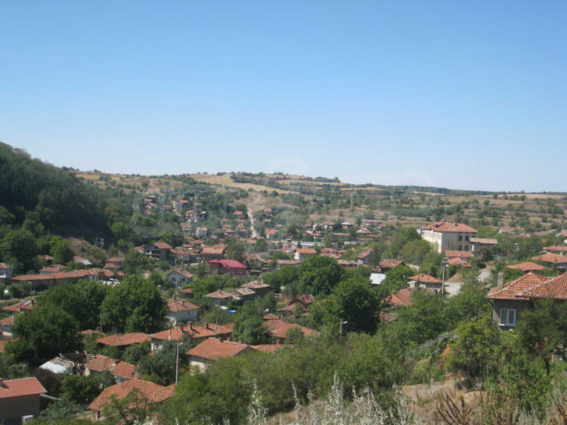 Geregeltes Baugrundstück in einem Dorf in der Nähe von Elin Pelin 28