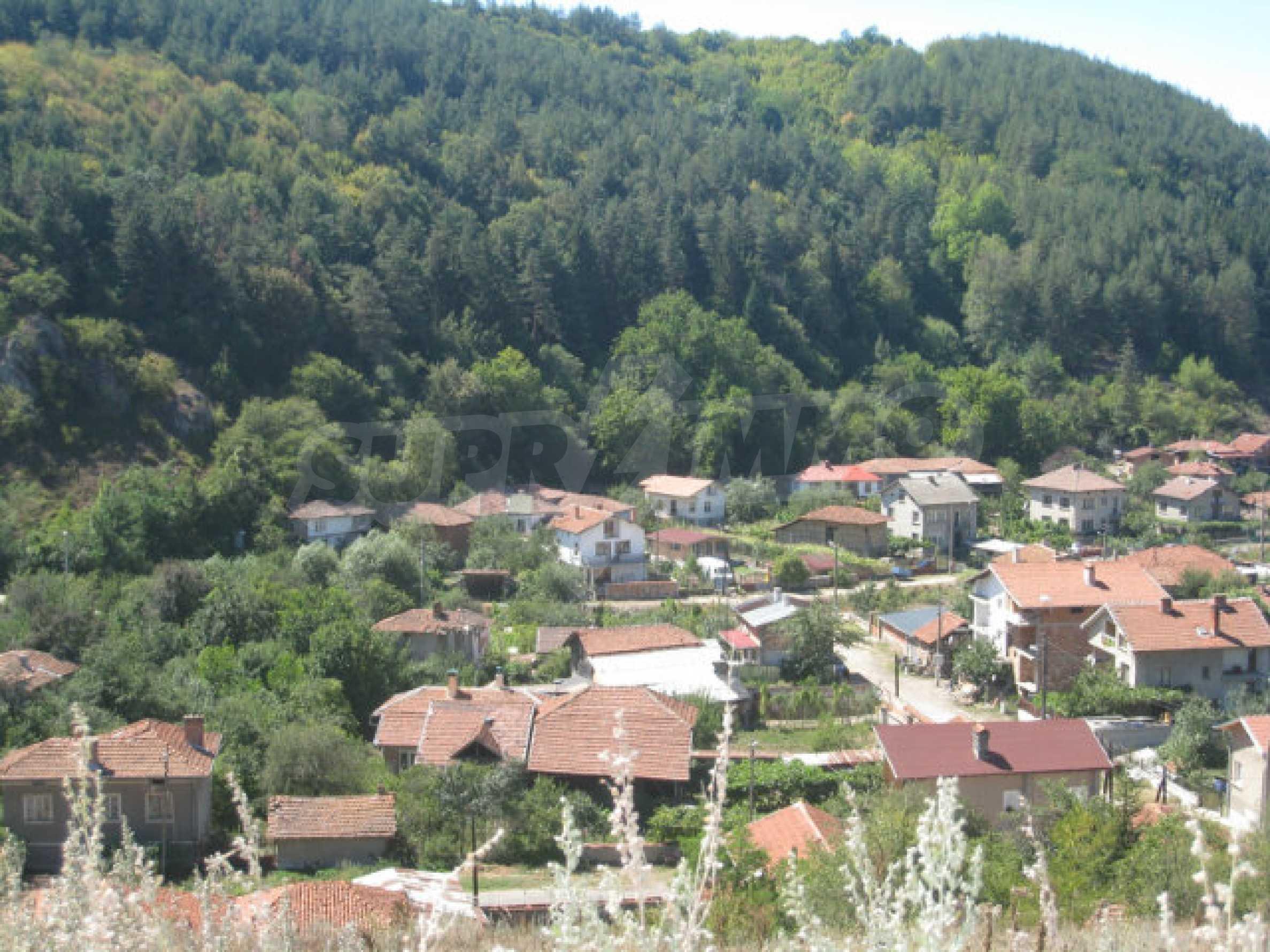 Geregeltes Baugrundstück in einem Dorf in der Nähe von Elin Pelin 29