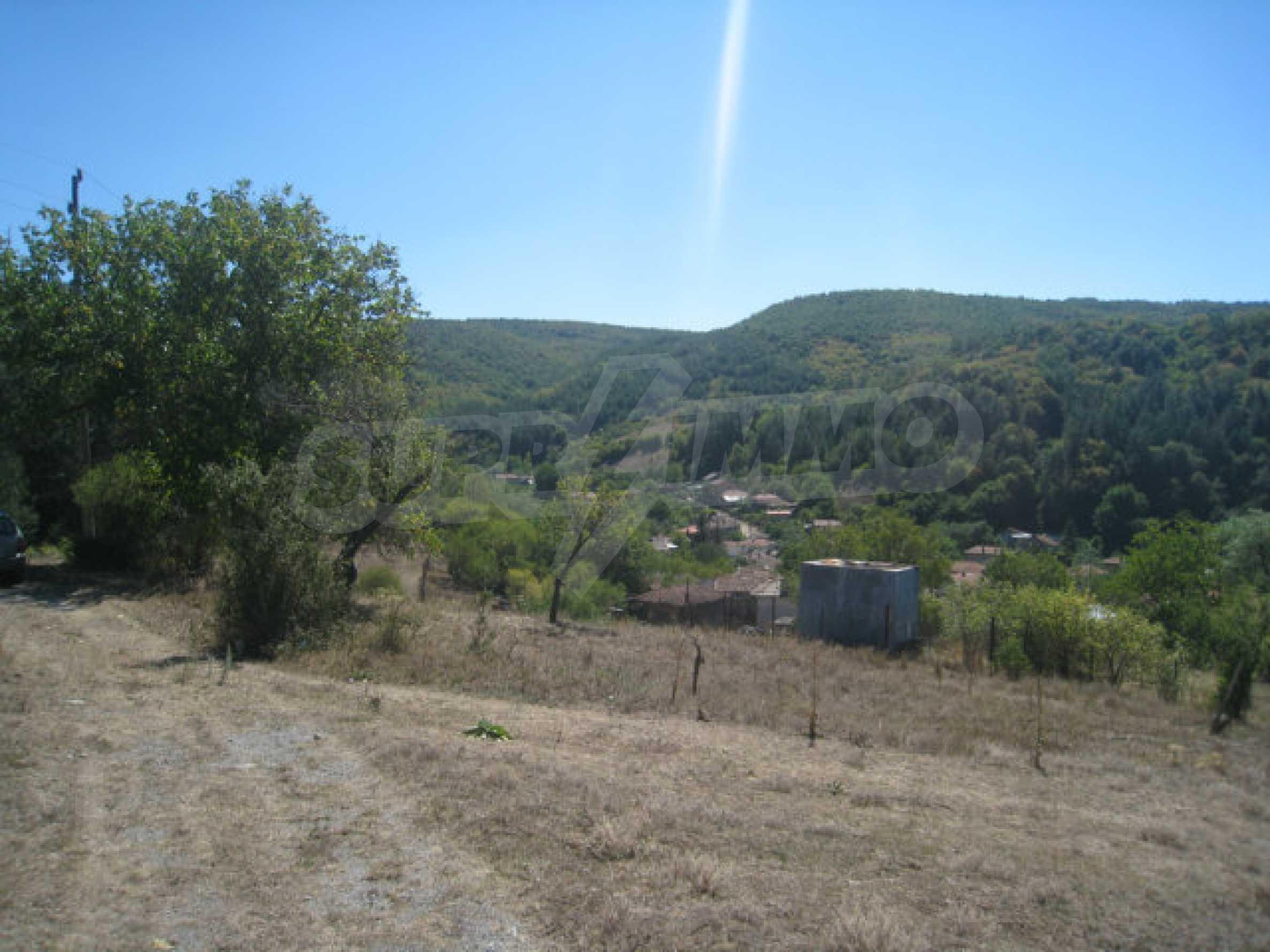 Geregeltes Baugrundstück in einem Dorf in der Nähe von Elin Pelin 4