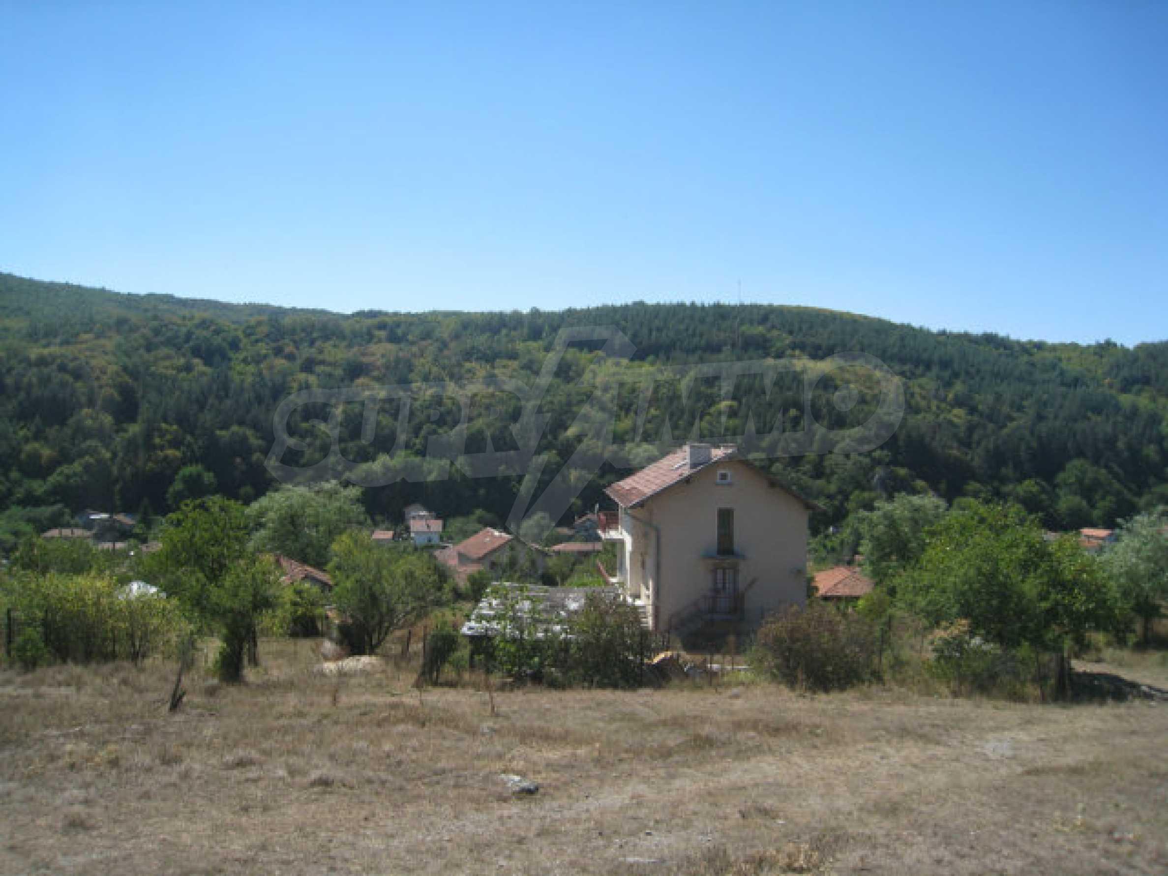 Geregeltes Baugrundstück in einem Dorf in der Nähe von Elin Pelin 6