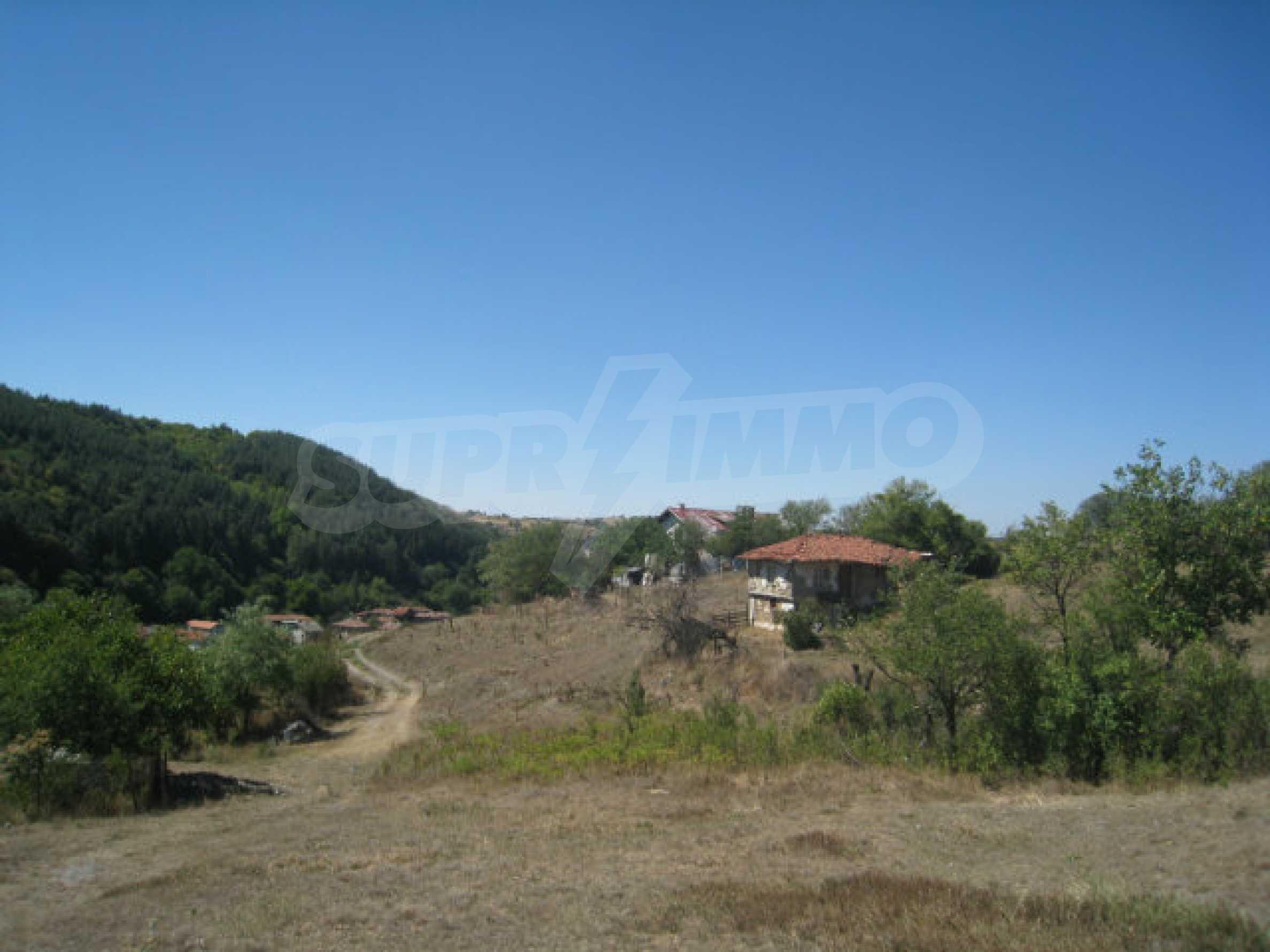 Geregeltes Baugrundstück in einem Dorf in der Nähe von Elin Pelin 8