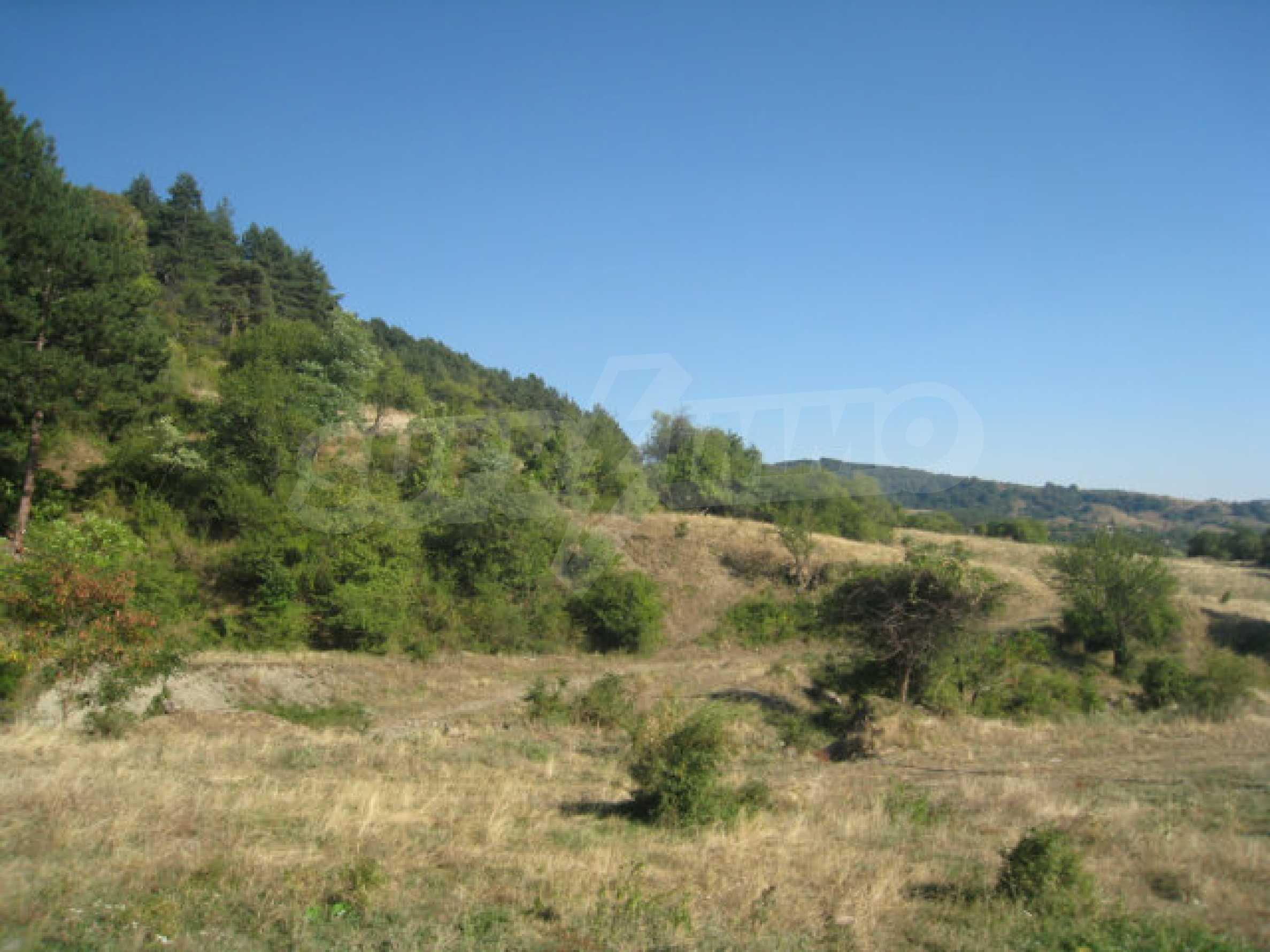 Geregeltes Grundstück in einem ruhigen Dorf in der Nähe der Balkanstraße 21