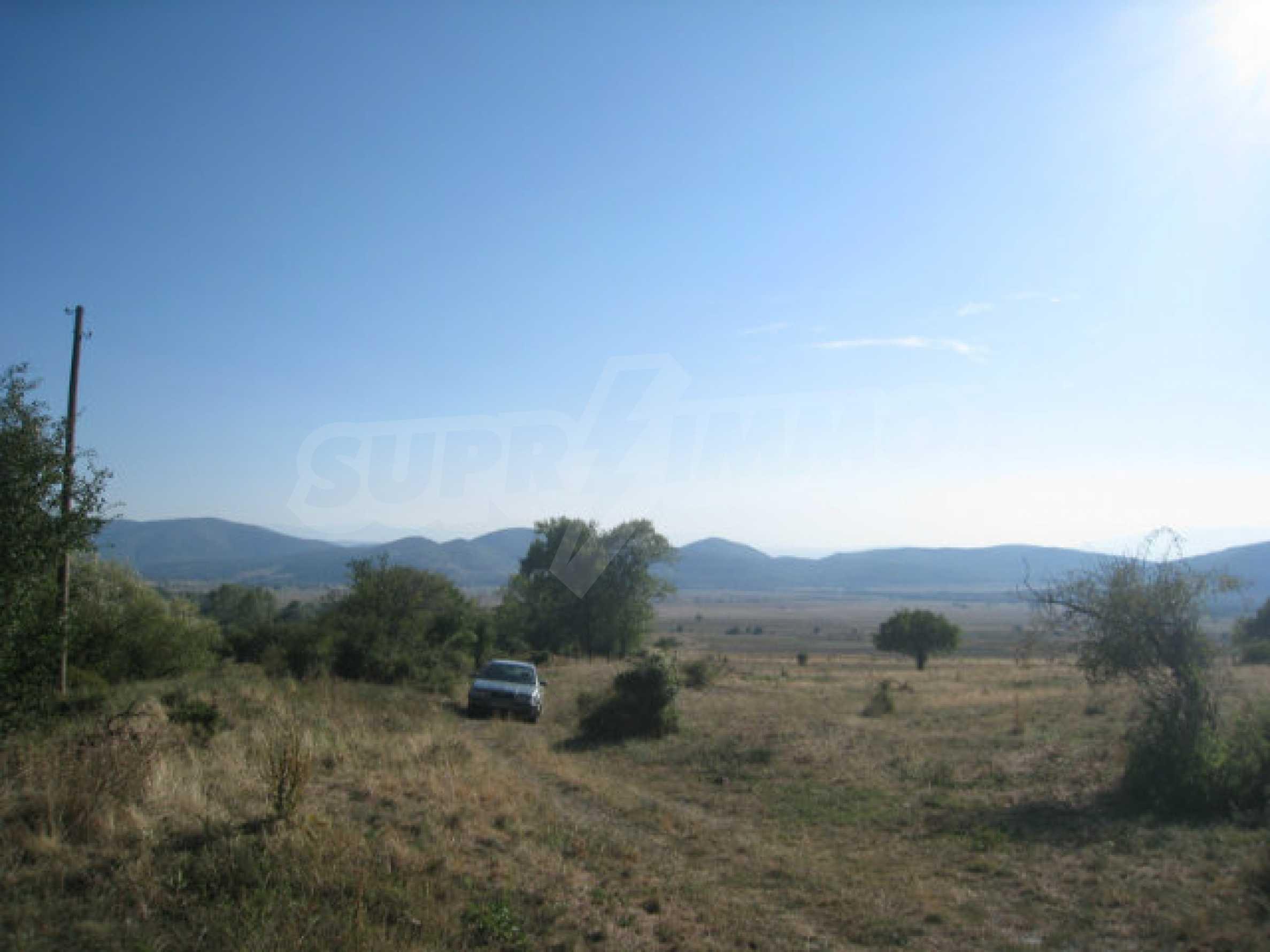 Geregeltes Grundstück in einem ruhigen Dorf in der Nähe der Balkanstraße 33