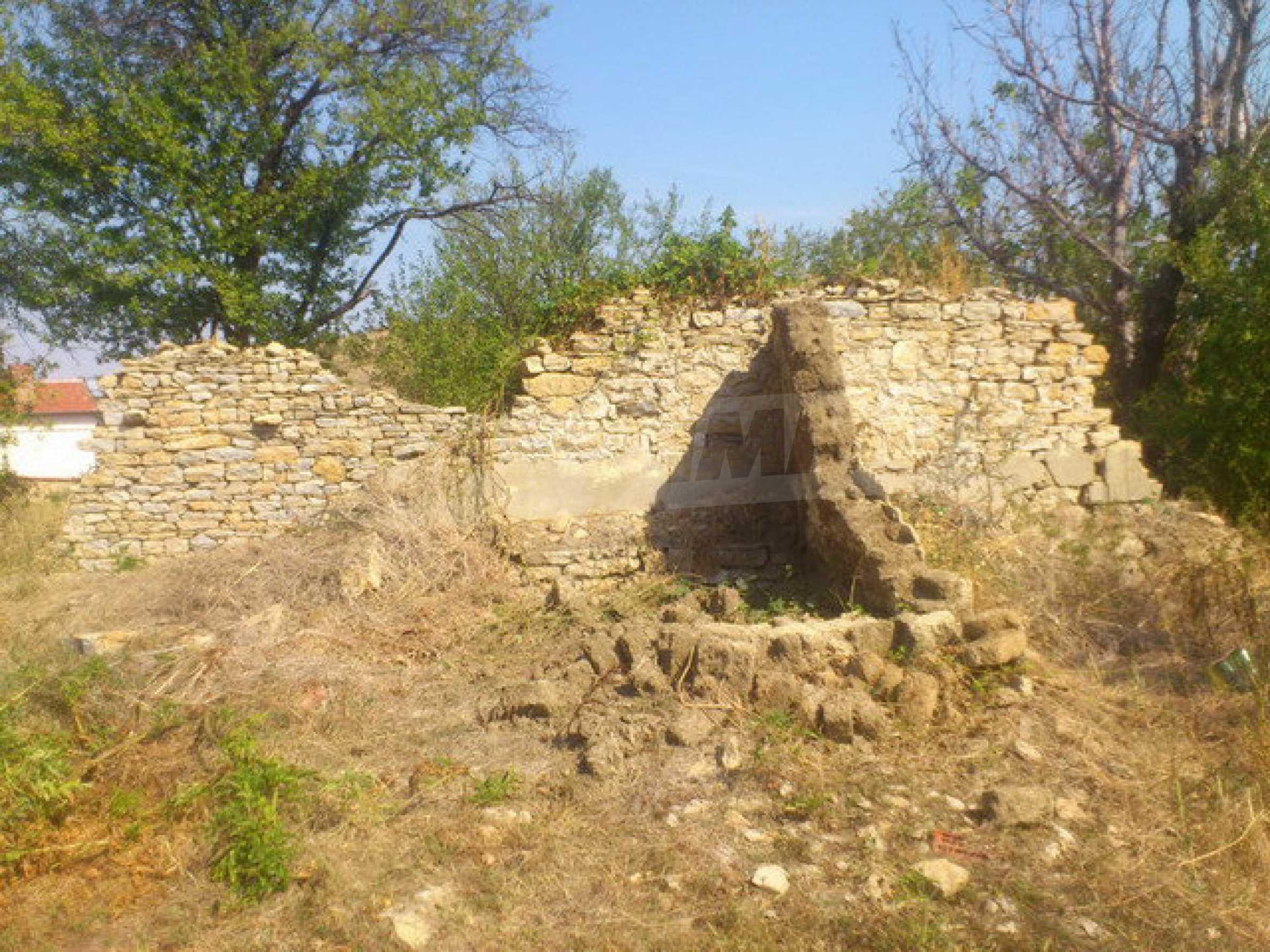 Geregeltes Grundstück in einem Dorf 30 km. von Veliko Tarnovo 4