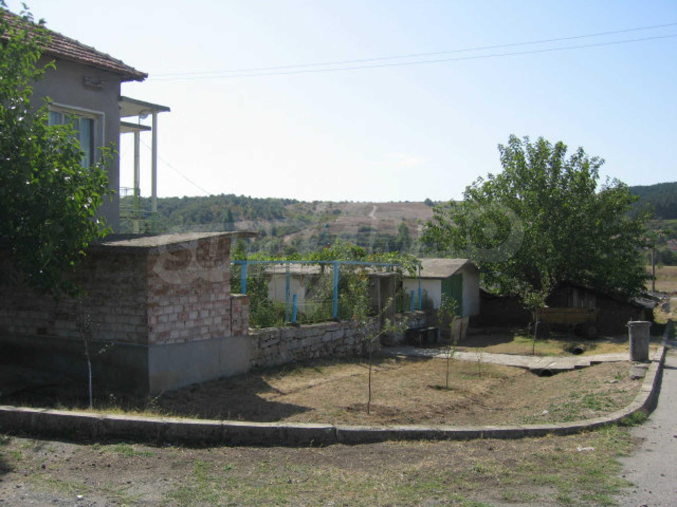 Großes und solides Haus mit einem Garten in einer schönen ländlichen Gegend in der Nähe von Topolovgrad und Elhovo 32