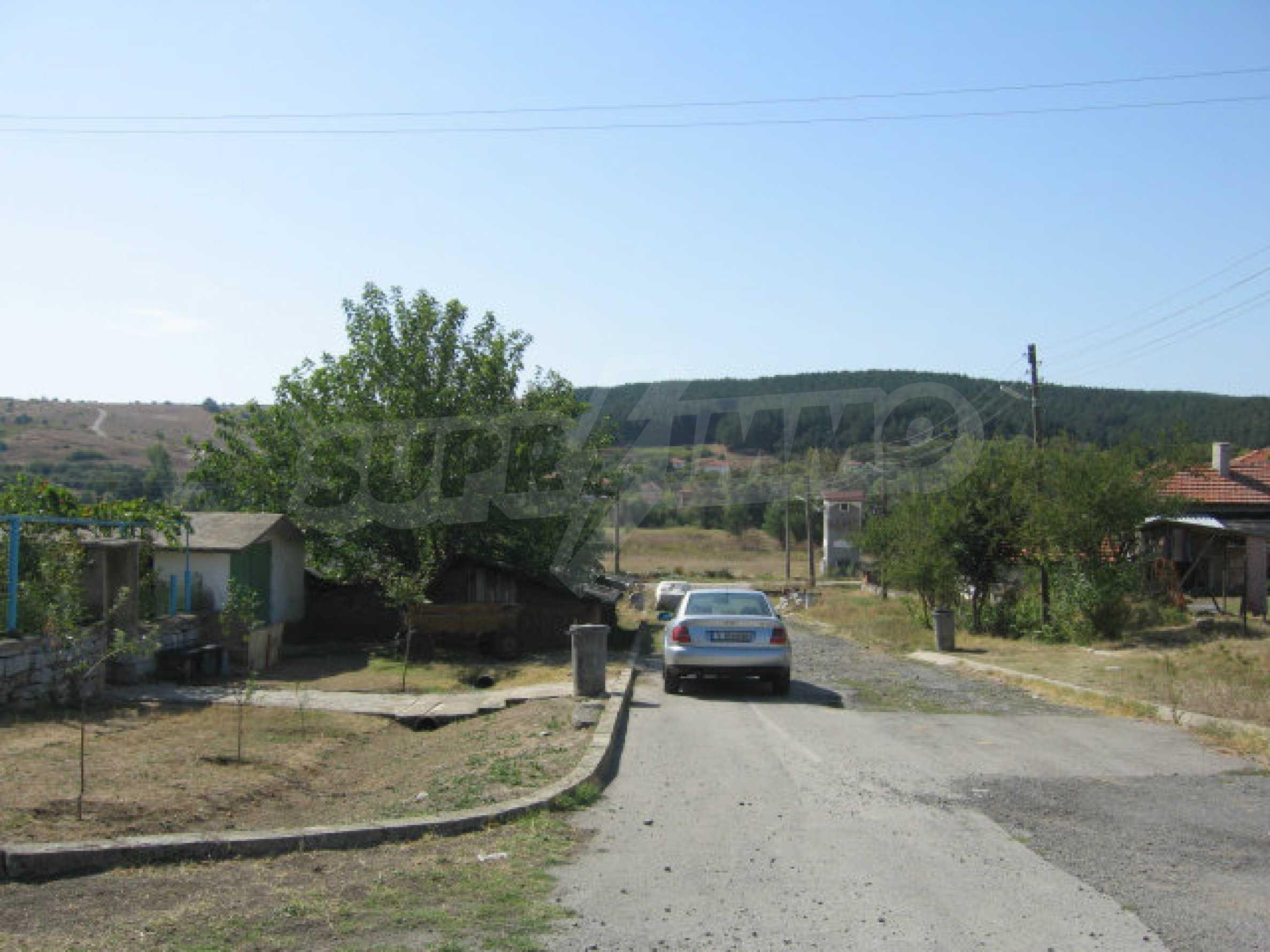 Großes und solides Haus mit einem Garten in einer schönen ländlichen Gegend in der Nähe von Topolovgrad und Elhovo 33