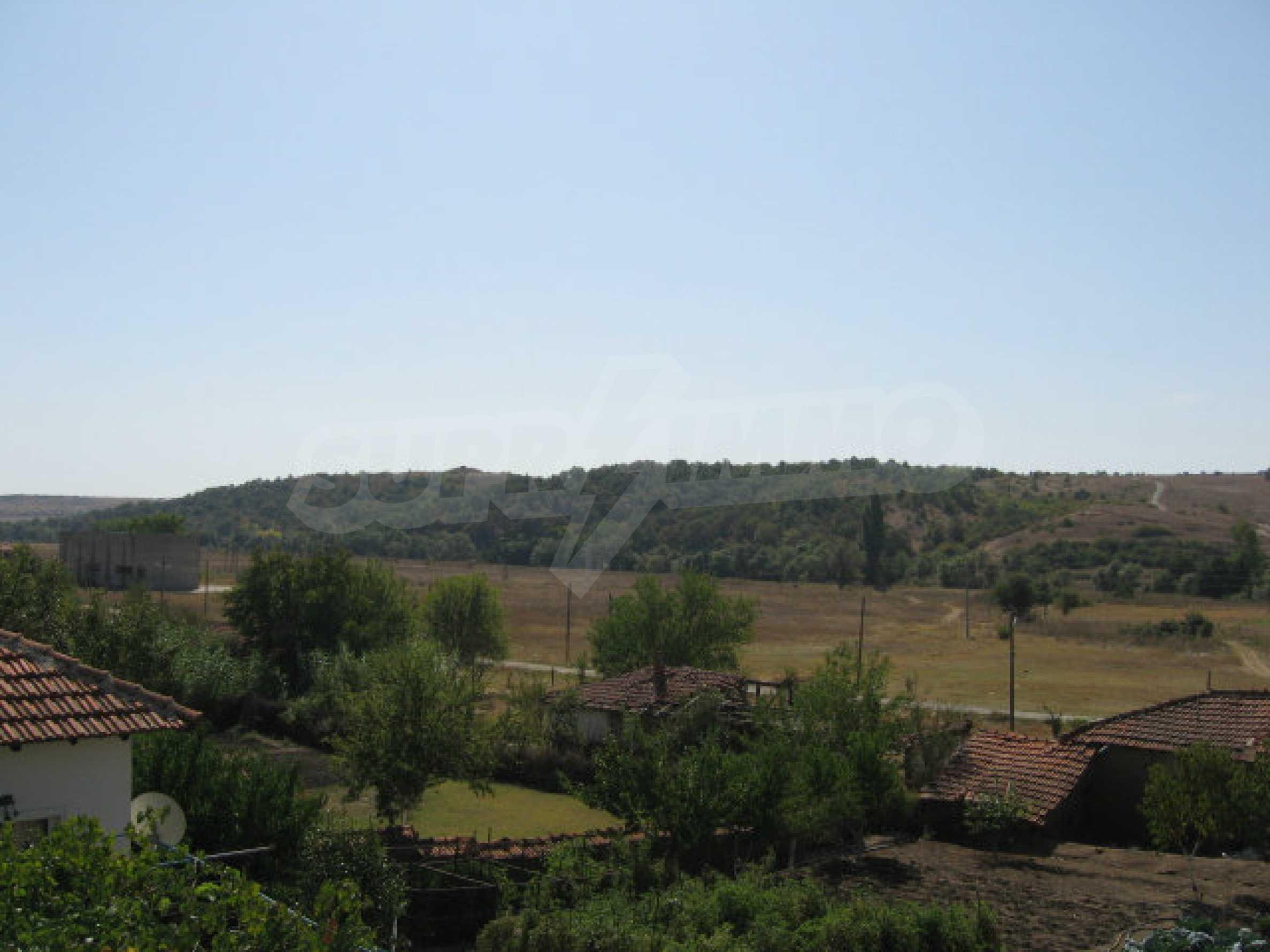 Großes und solides Haus mit einem Garten in einer schönen ländlichen Gegend in der Nähe von Topolovgrad und Elhovo 35