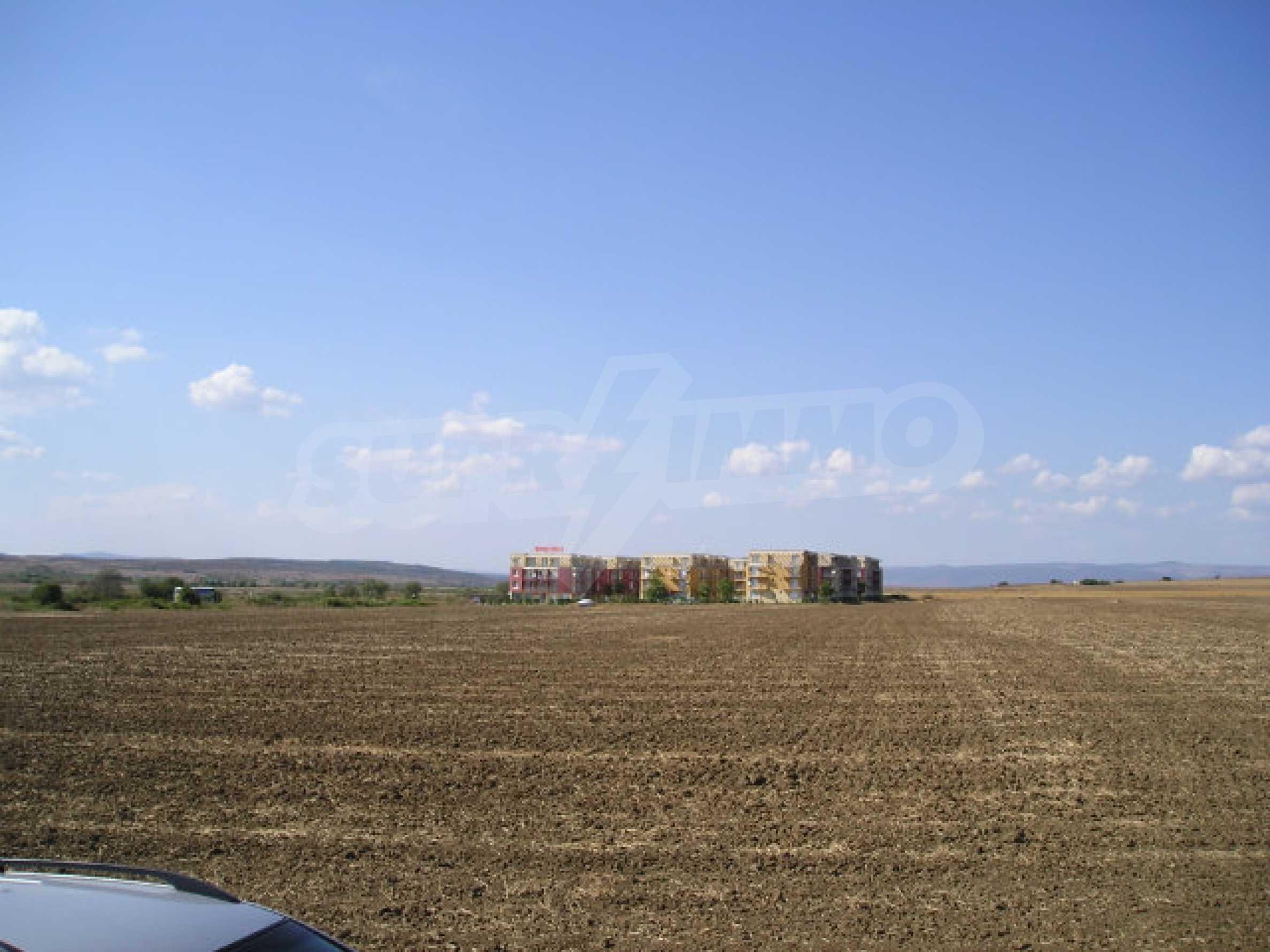 Bauland zum Verkauf in der Nähe von Sonnenstrand 2