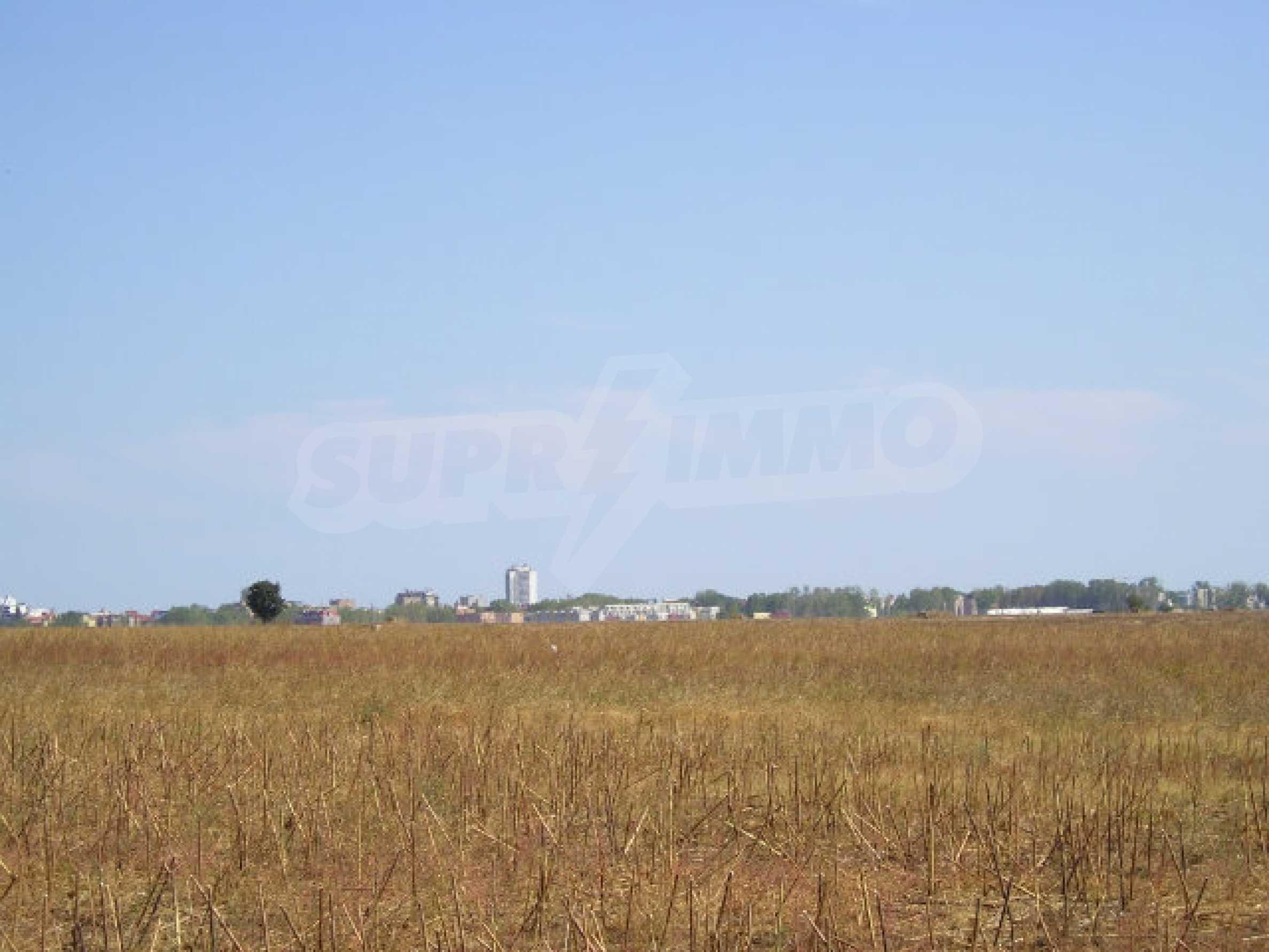 Bauland zum Verkauf in der Nähe von Sonnenstrand 4