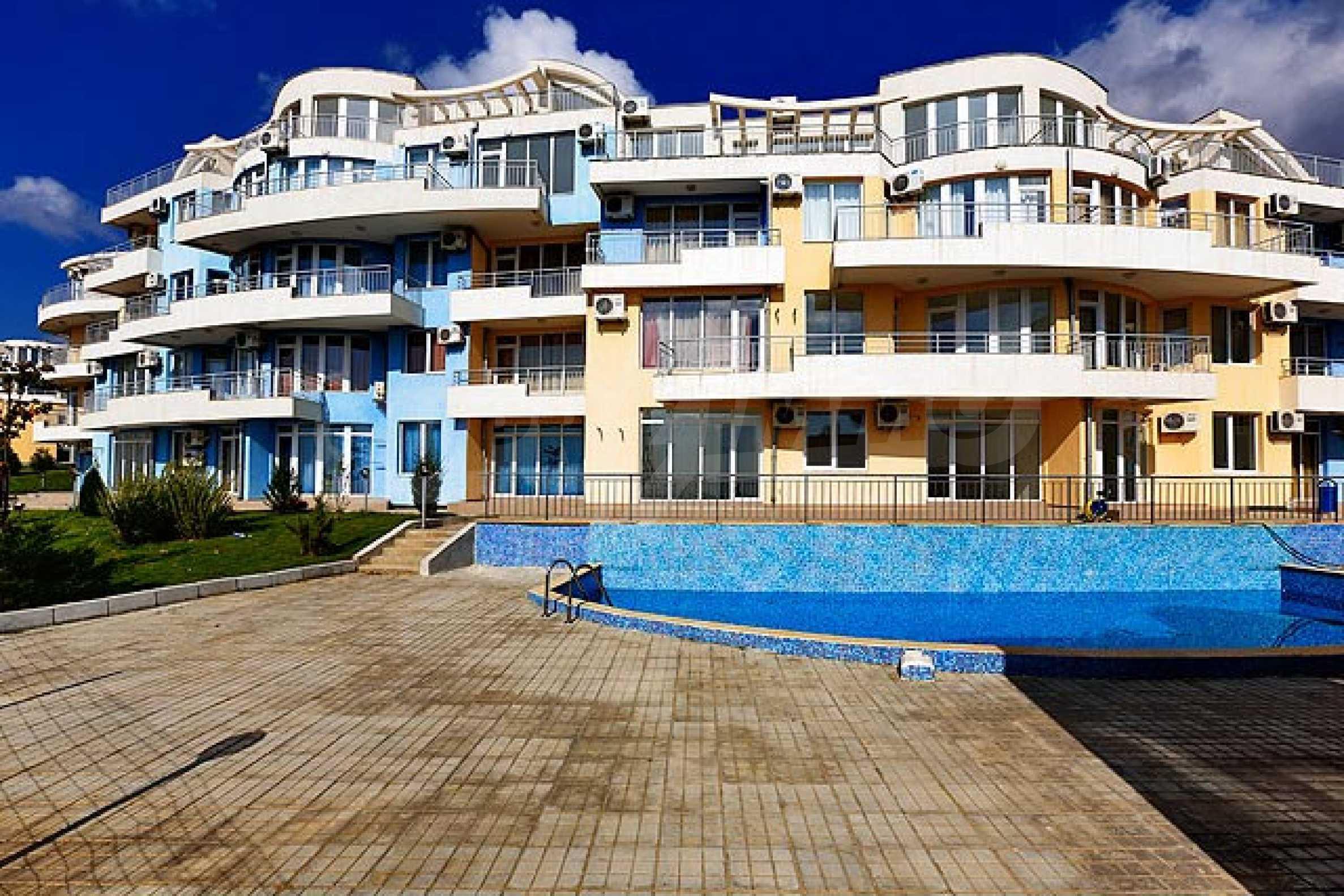 One-bedroom apartment in Sunset Apartments in Kosharitsa 10