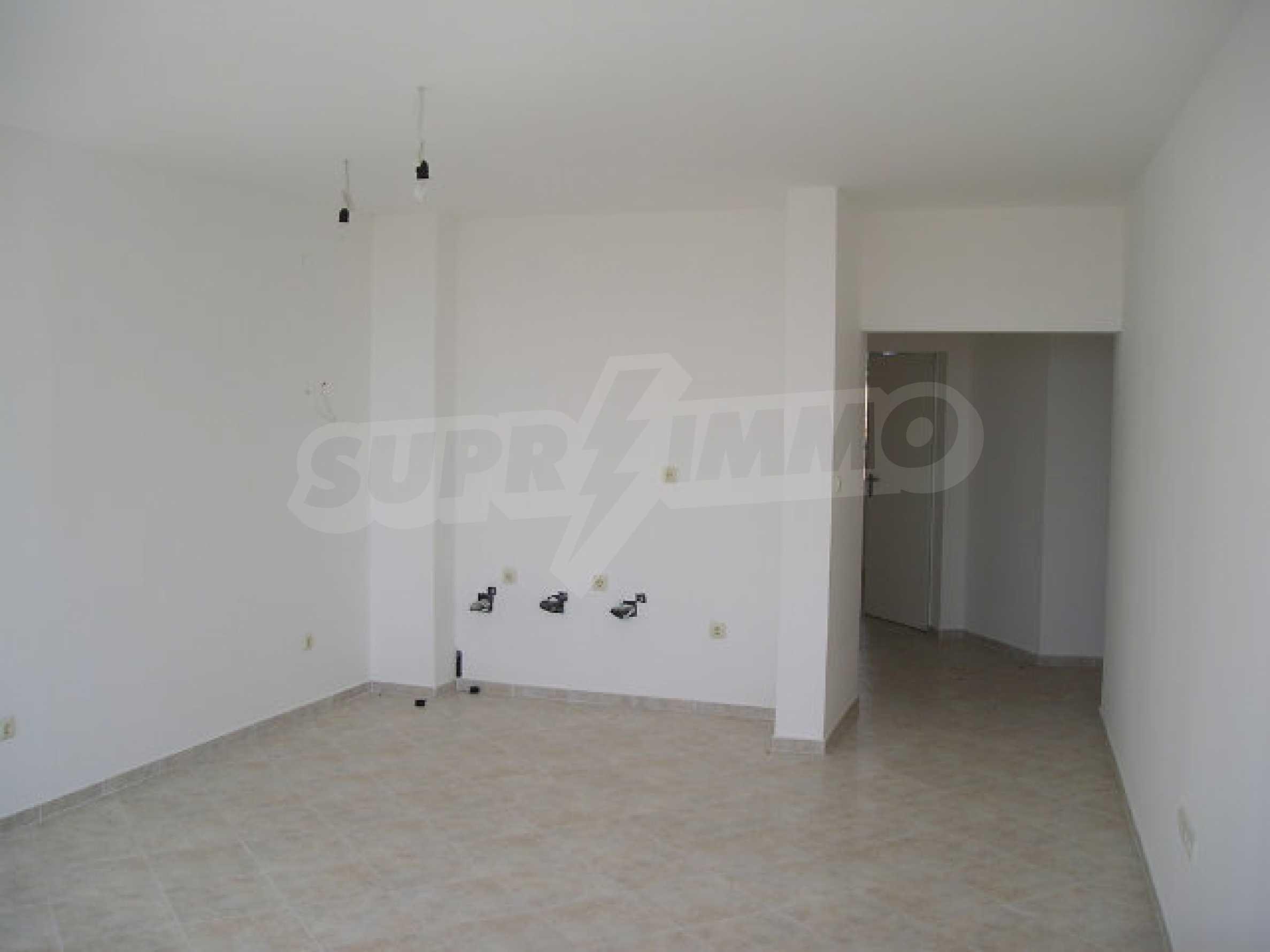 One-bedroom apartment in Sunset Apartments in Kosharitsa 16