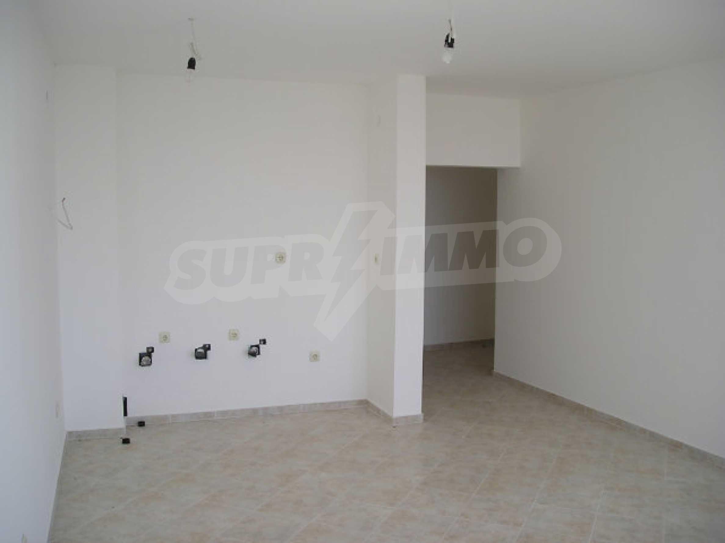 One-bedroom apartment in Sunset Apartments in Kosharitsa 17
