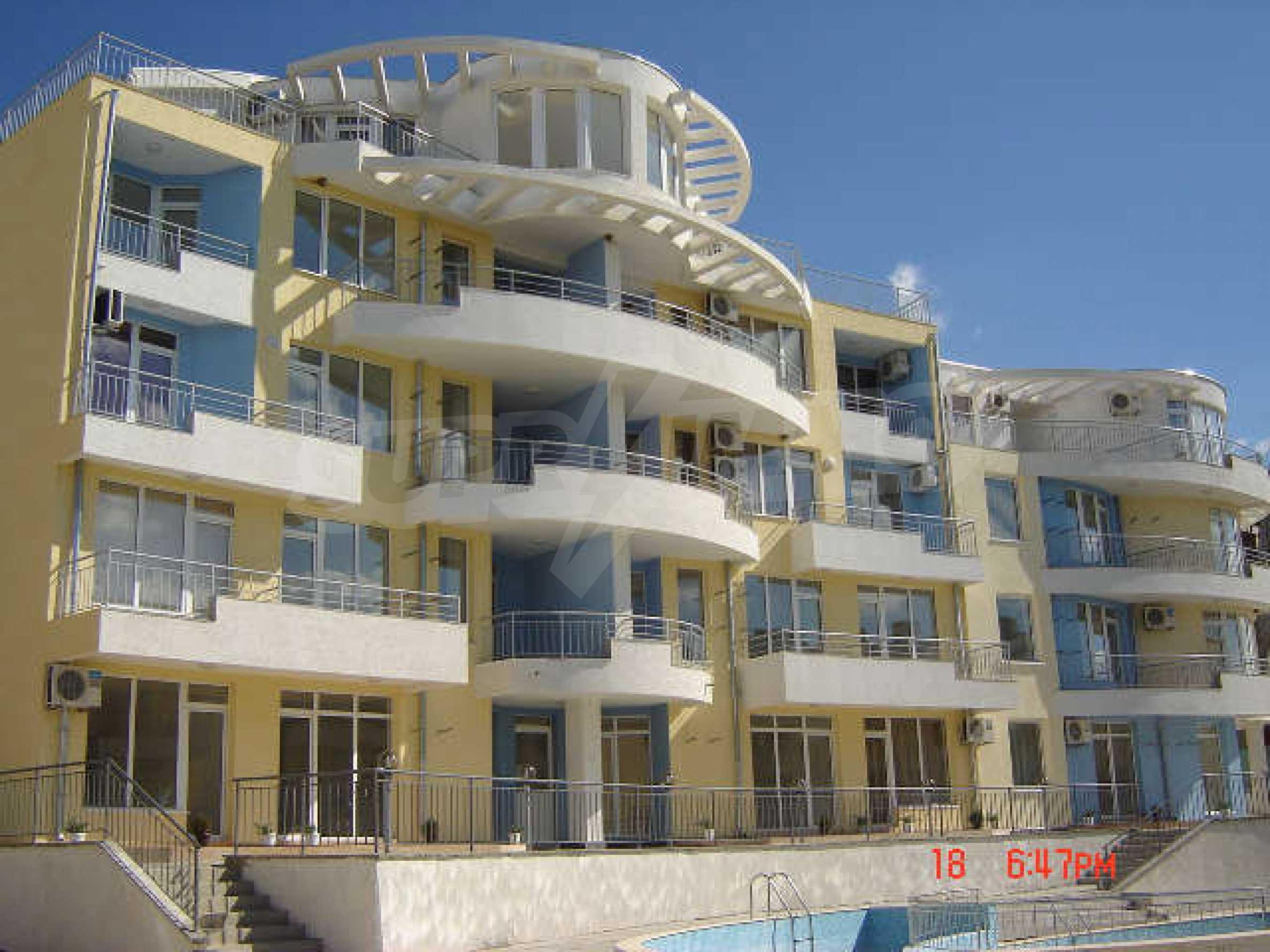 One-bedroom apartment in Sunset Apartments in Kosharitsa 5