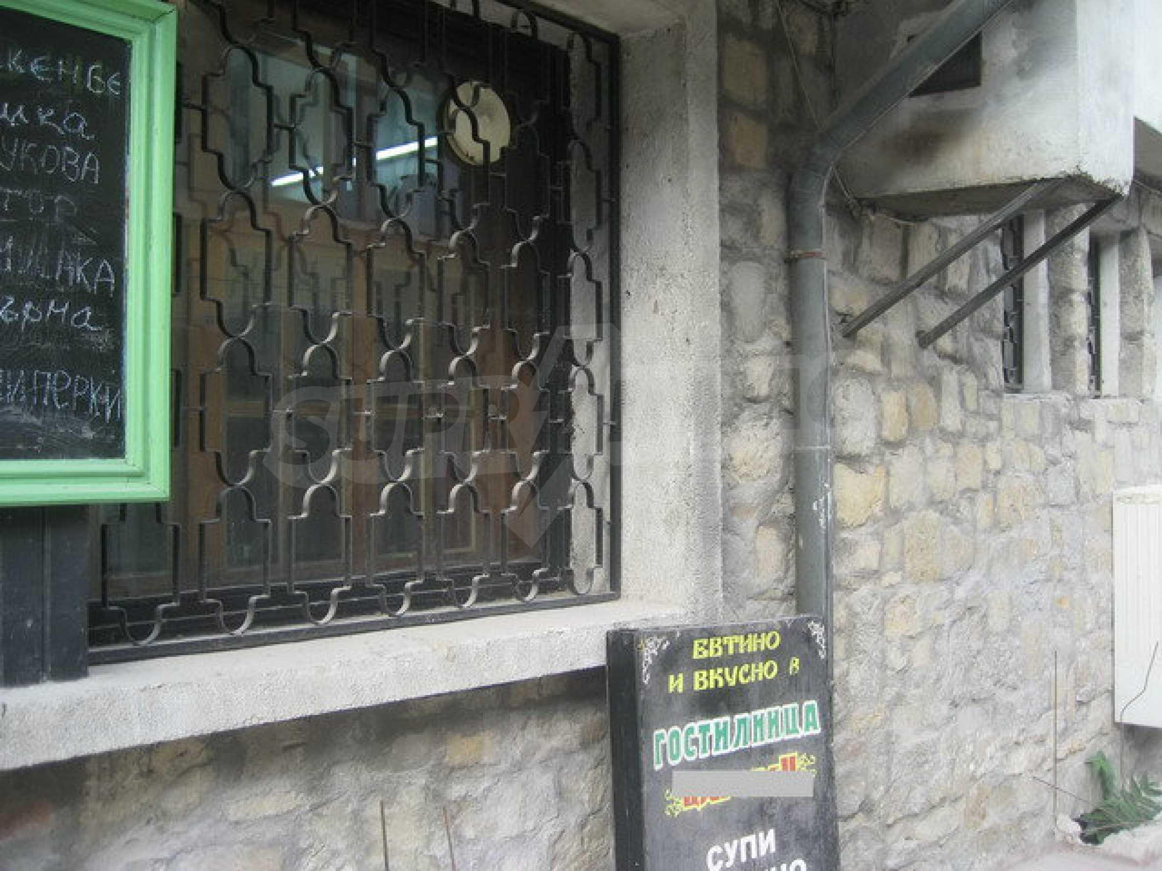 Funktionierendes Gasthaus / Taverne Meter vom Zaren-Assen-I-Platz in der alten Hauptstadt entfernt 19