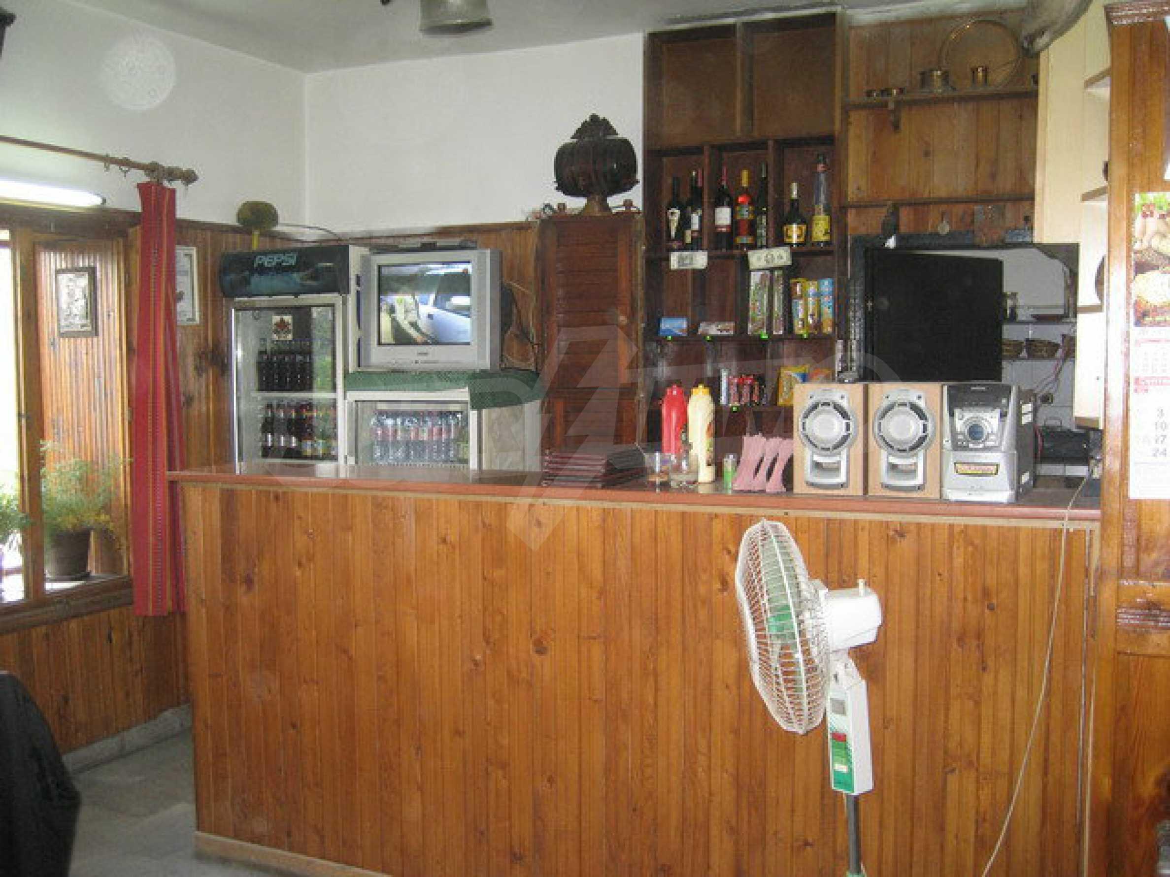 Functioning inn / tavern near the square Tsar Asen I in the old capital 5