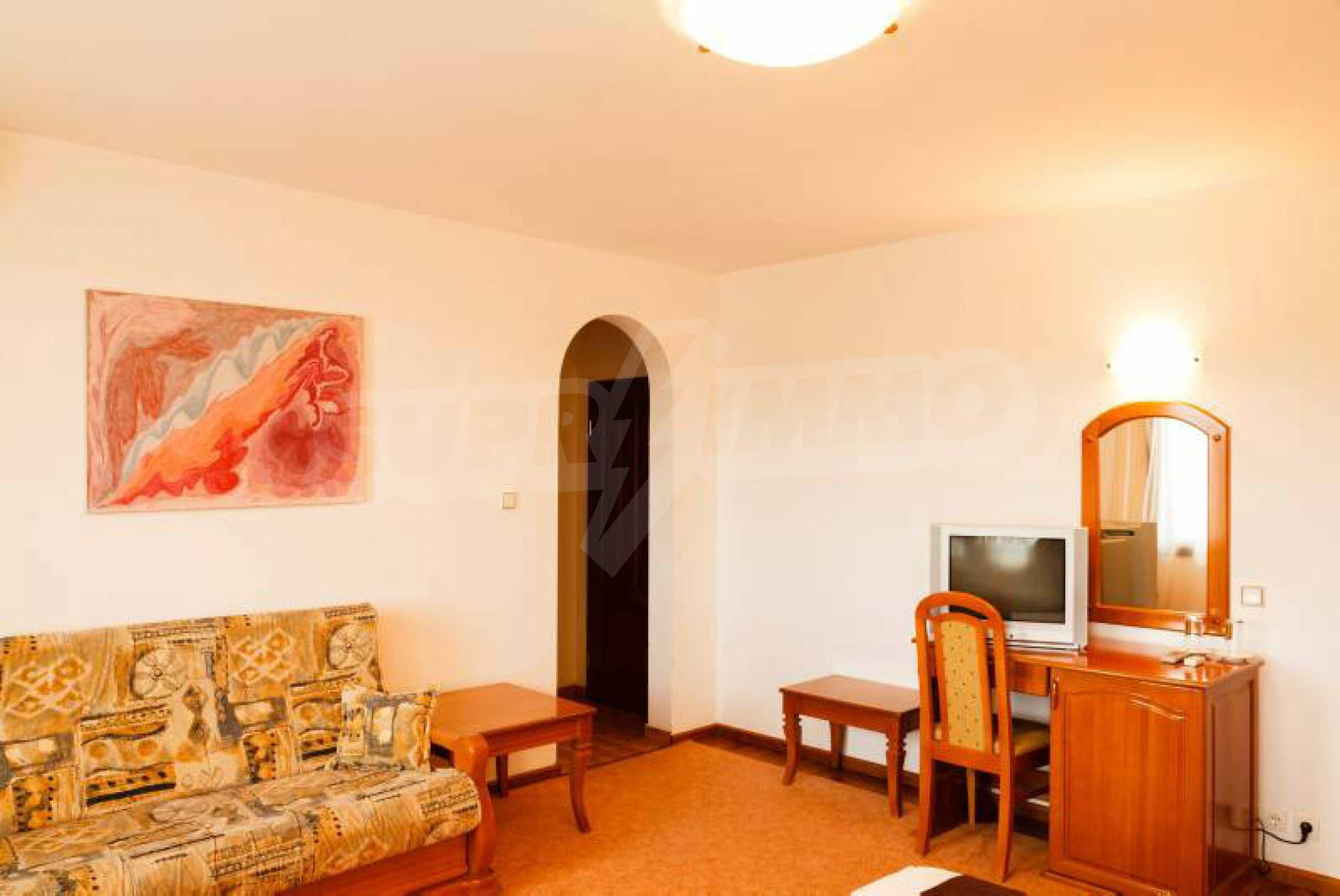 Fully equipped hotel, a restaurant, a house and a yard in the center of popular Arbanassi village 33