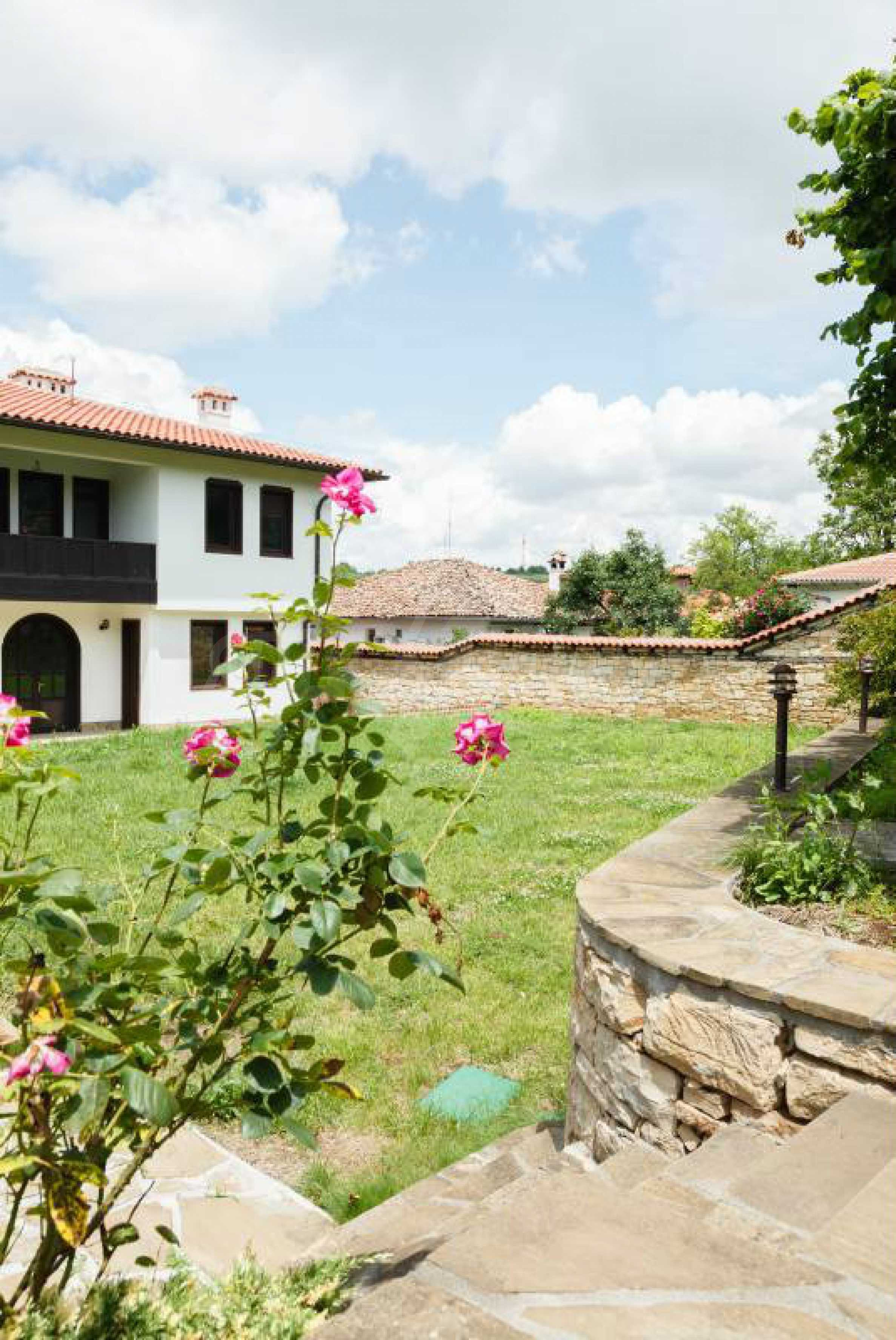 Fully equipped hotel, a restaurant, a house and a yard in the center of popular Arbanassi village 41