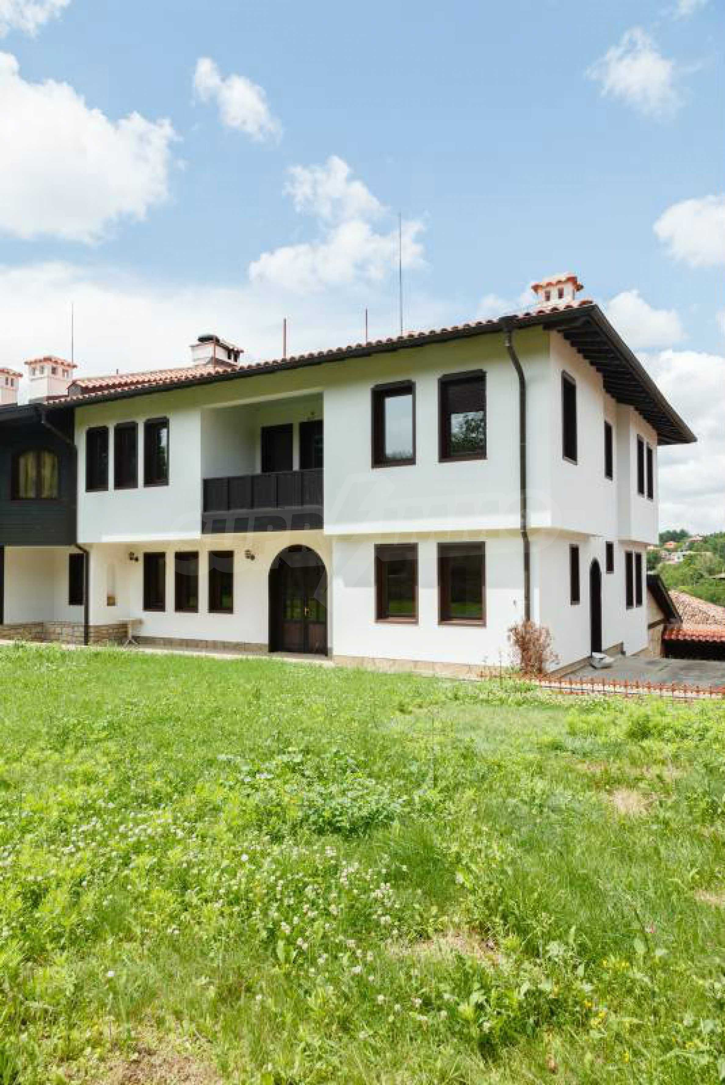 Fully equipped hotel, a restaurant, a house and a yard in the center of popular Arbanassi village 45