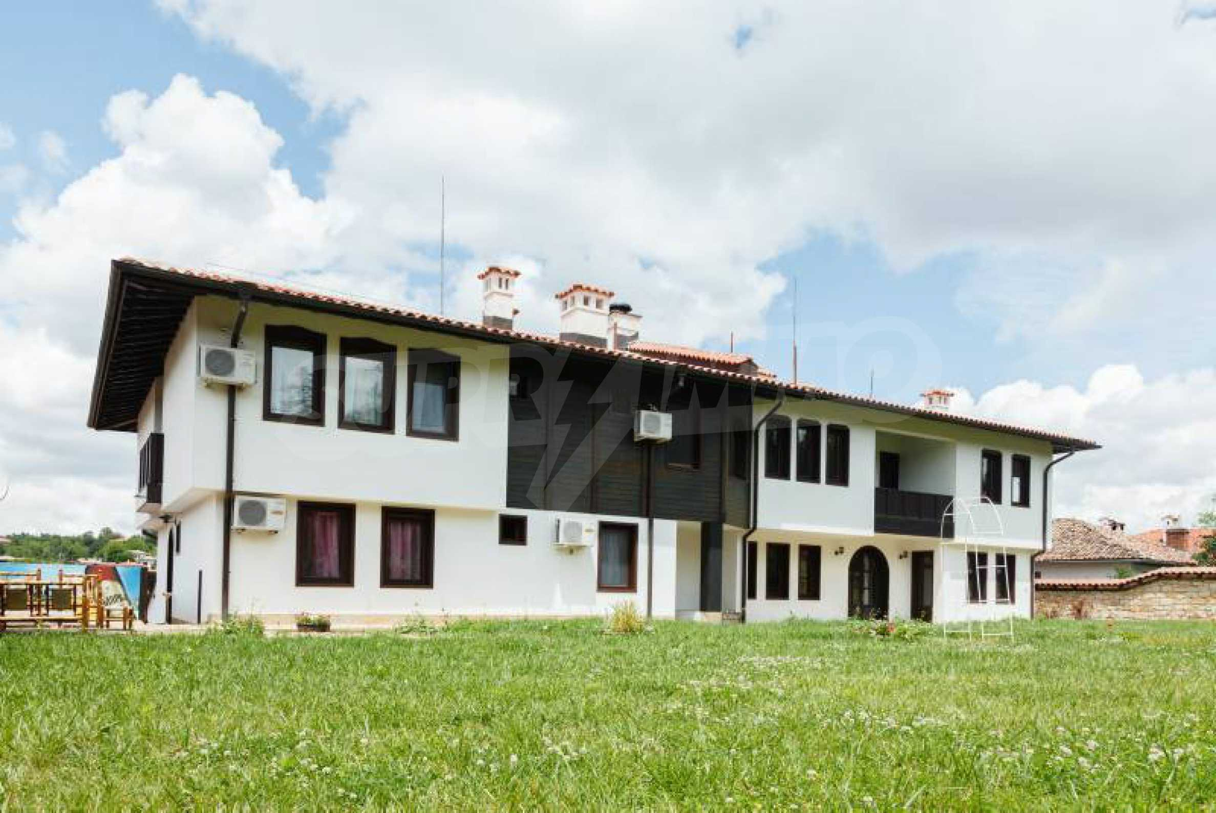 Fully equipped hotel, a restaurant, a house and a yard in the center of popular Arbanassi village 5