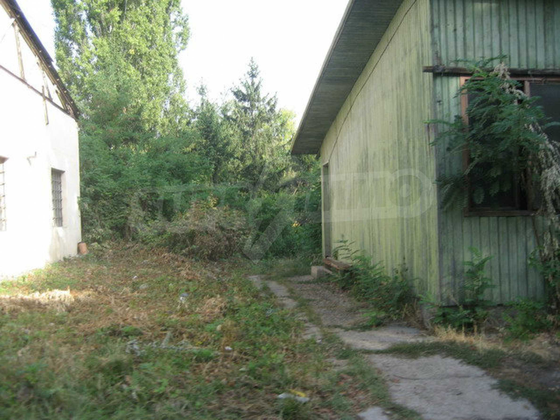Land with a convenient location in the city of Veliko Tarnovo 4