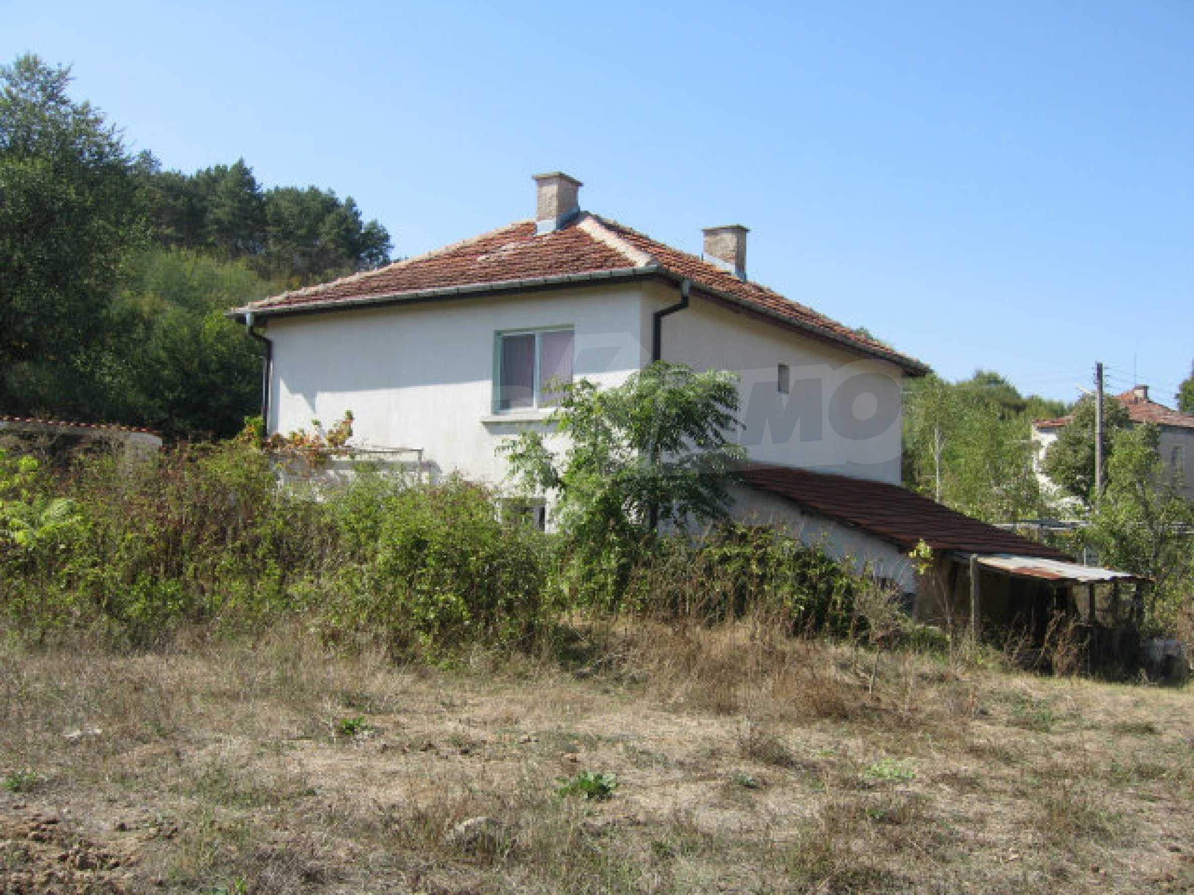 Renovated two-storey house with garden near Elhovo 26